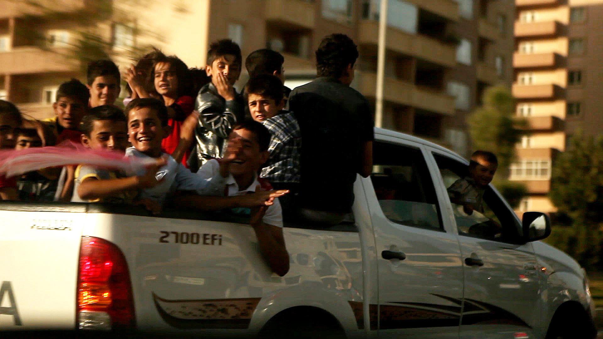 erbil-kurdistan-iraq-ute-party.jpg