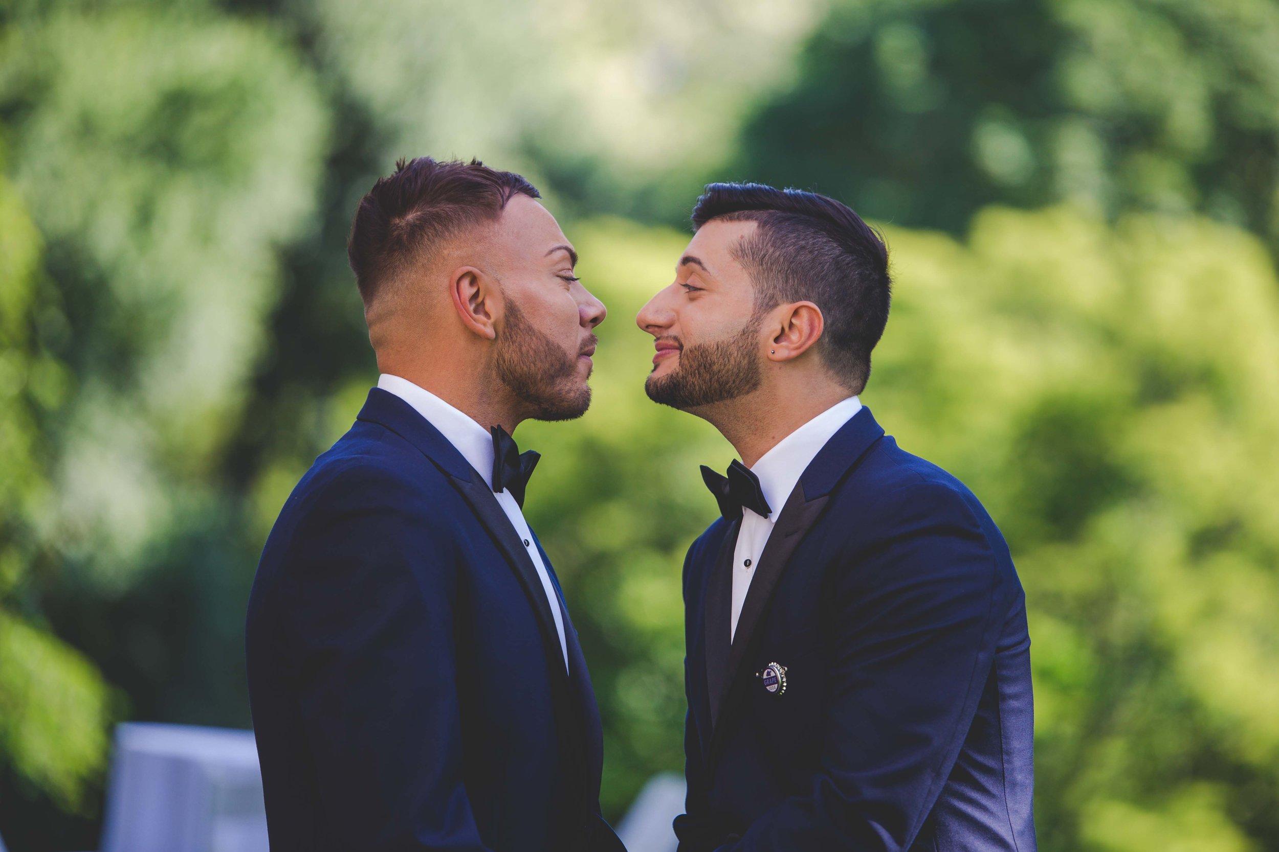 lyndhurst-mansion-amazing-gay-wedding-7.jpg