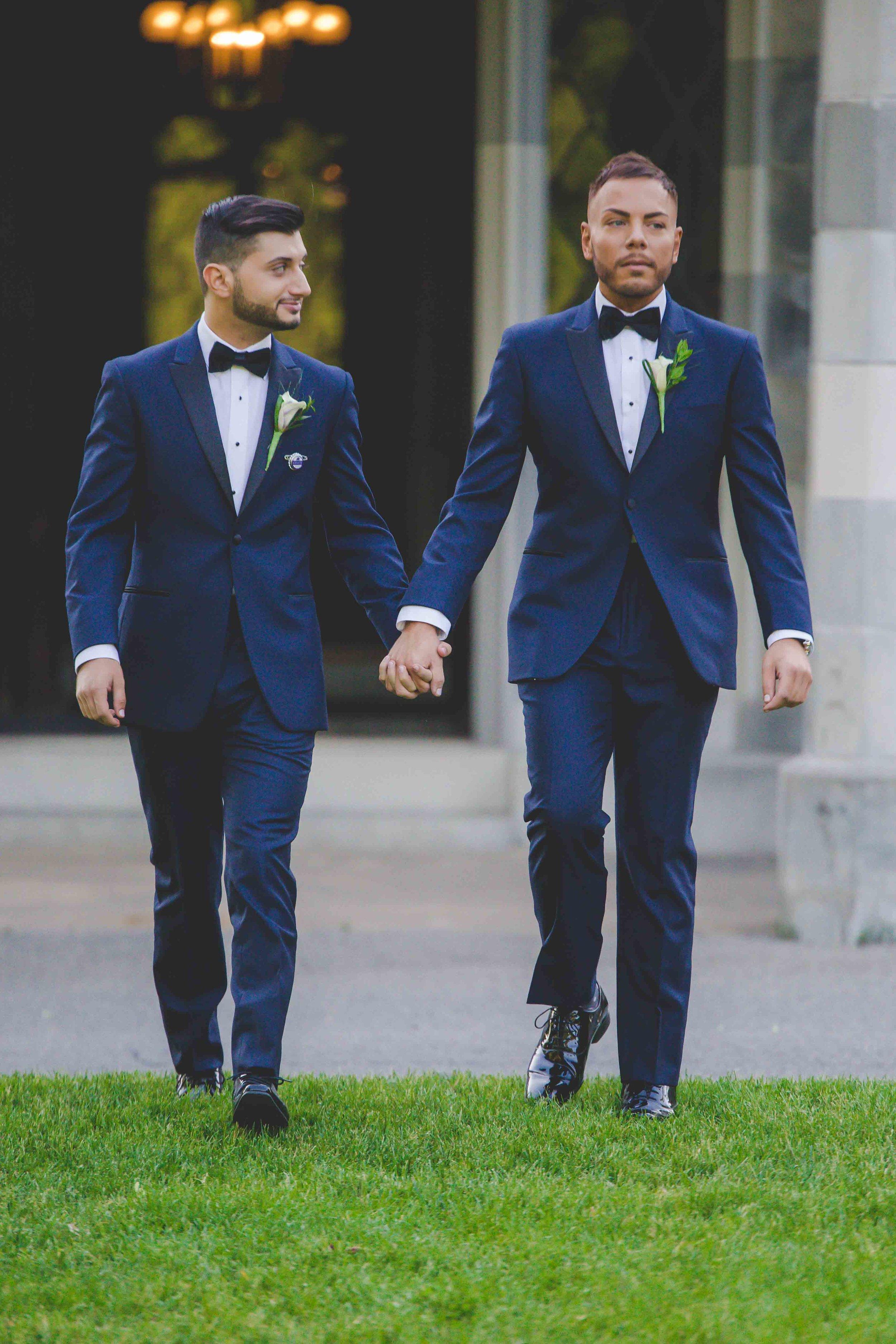 lyndhurst-mansion-amazing-gay-wedding-29.jpg