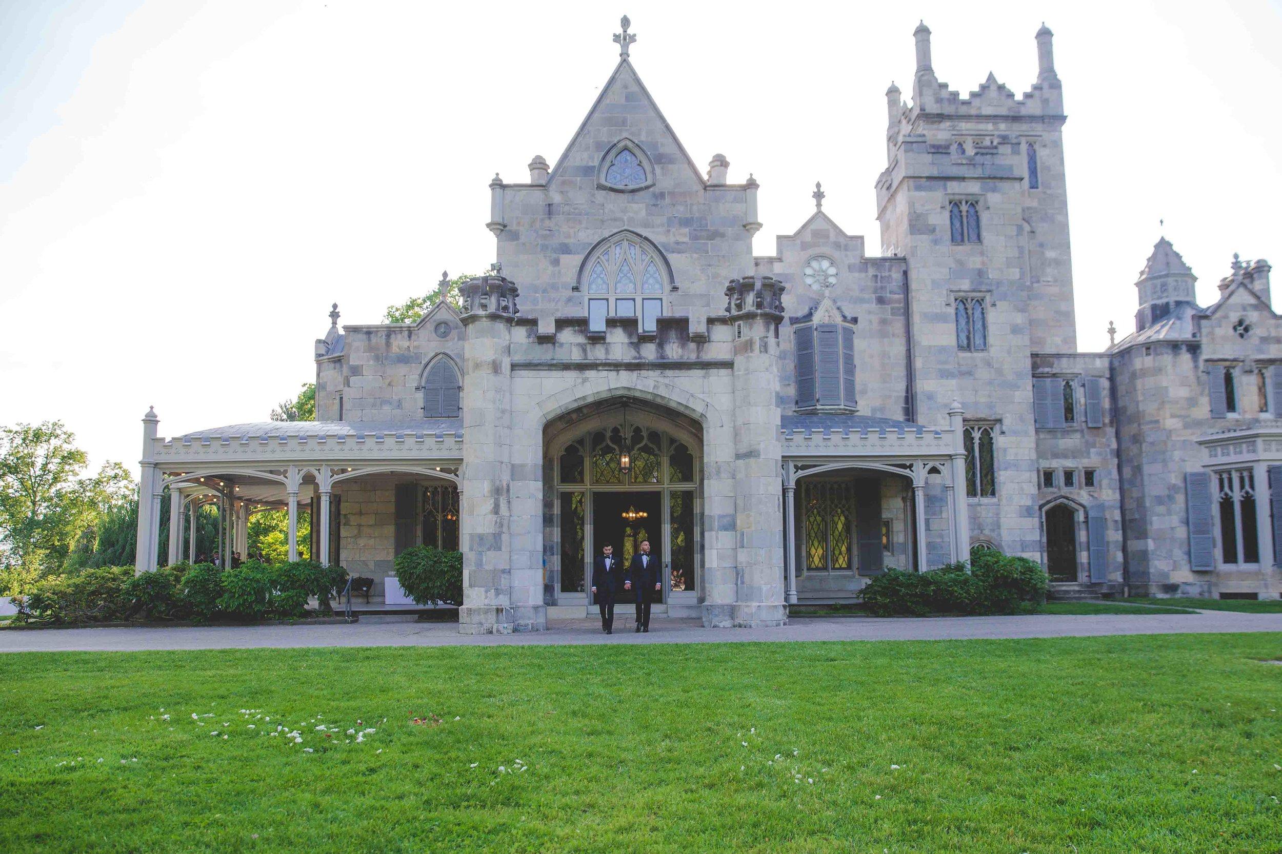 lyndhurst-mansion-amazing-gay-wedding-28.jpg