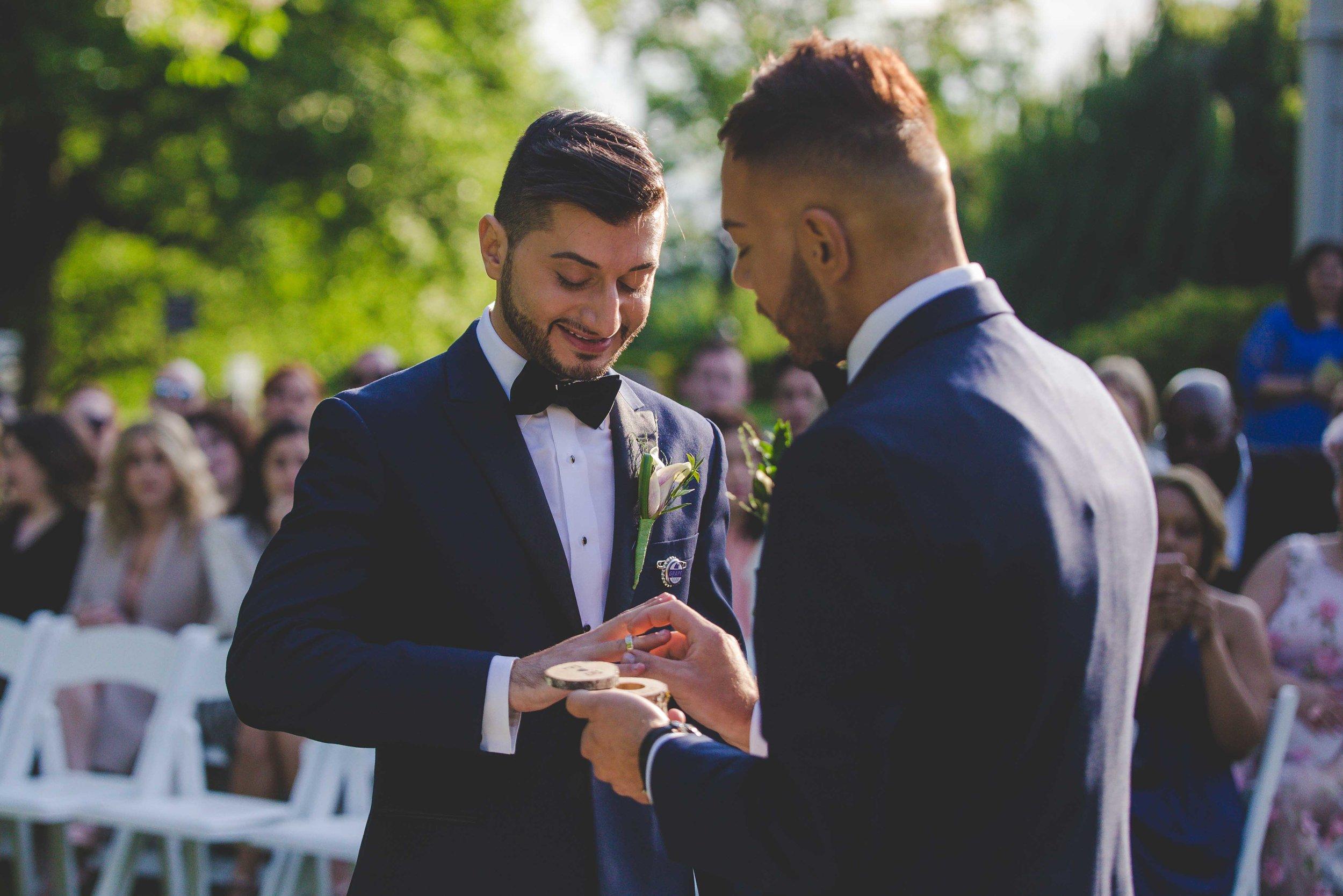 lyndhurst-mansion-amazing-gay-wedding-33.jpg