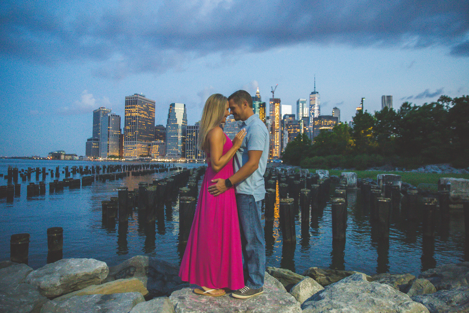 amazing-sunrise-engagement-photography-brooklyn-bridge-dumbo-1.jpg