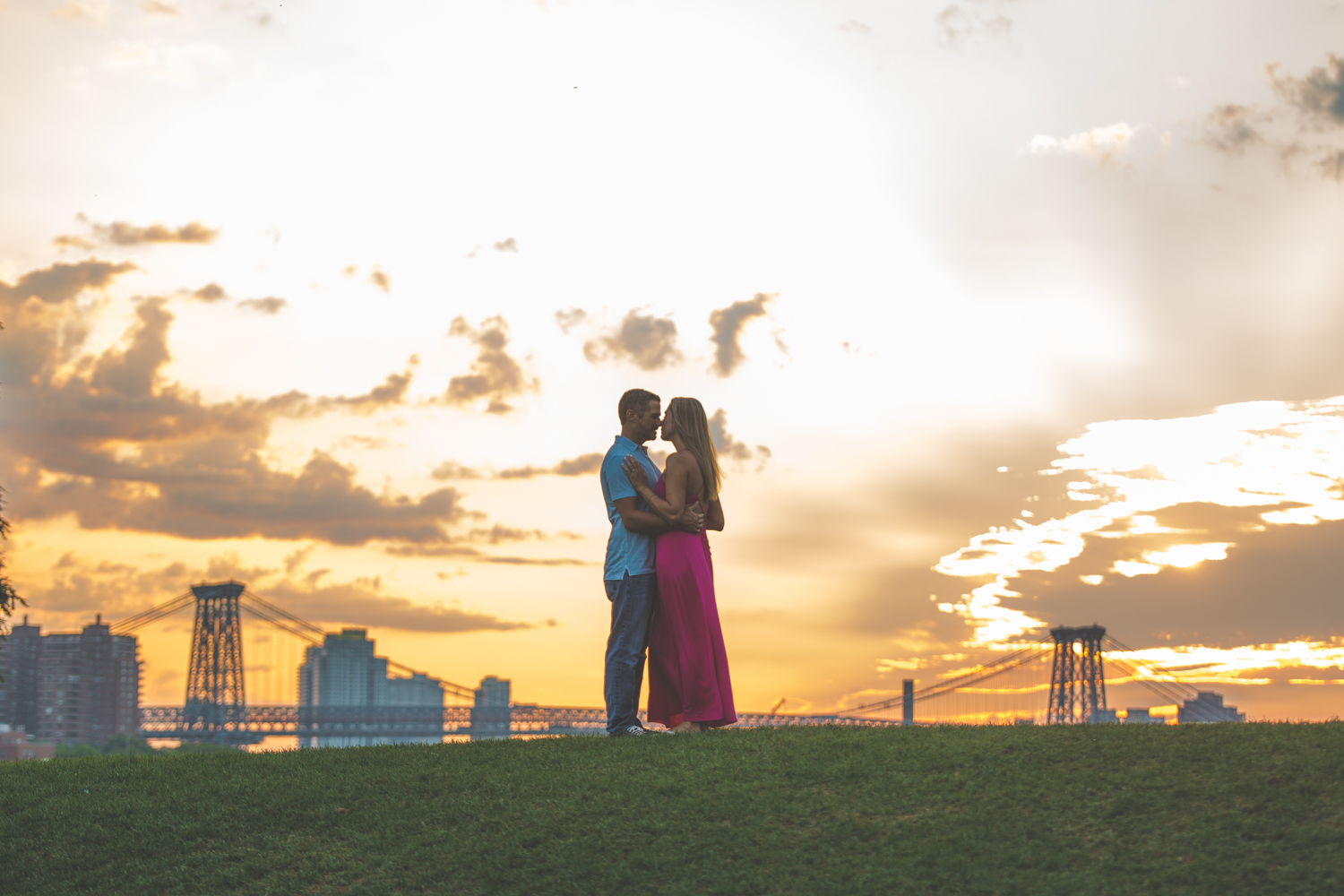 amazing-sunrise-engagement-photography-brooklyn-bridge-dumbo-11.jpg