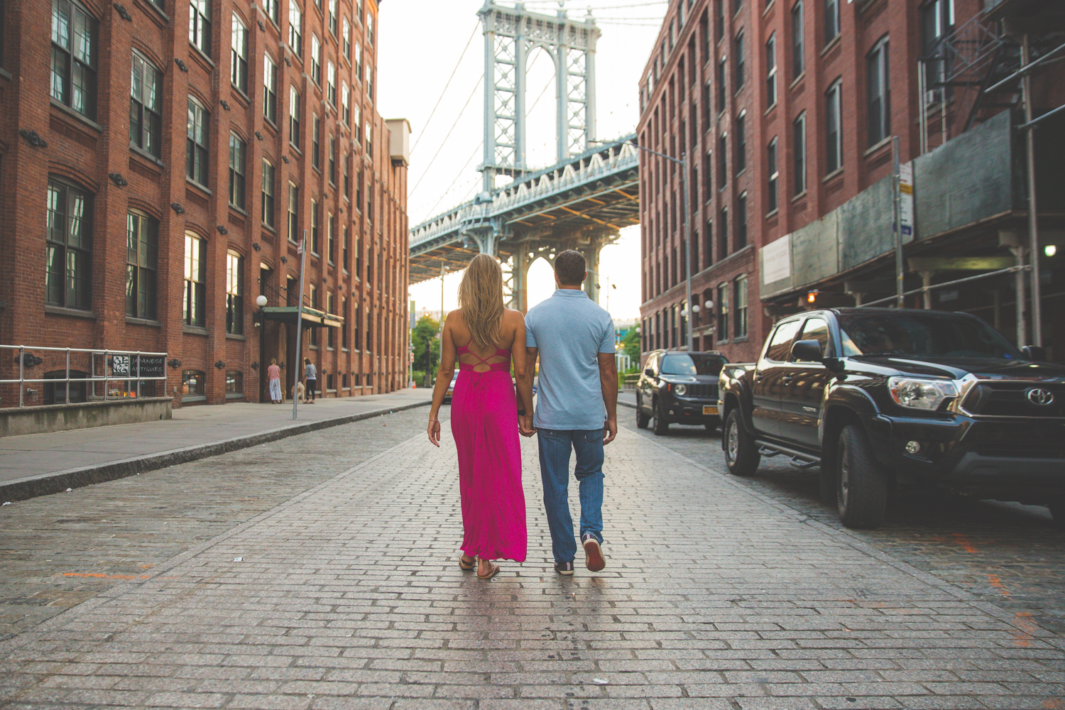 amazing-sunrise-engagement-photography-brooklyn-bridge-dumbo-13.jpg