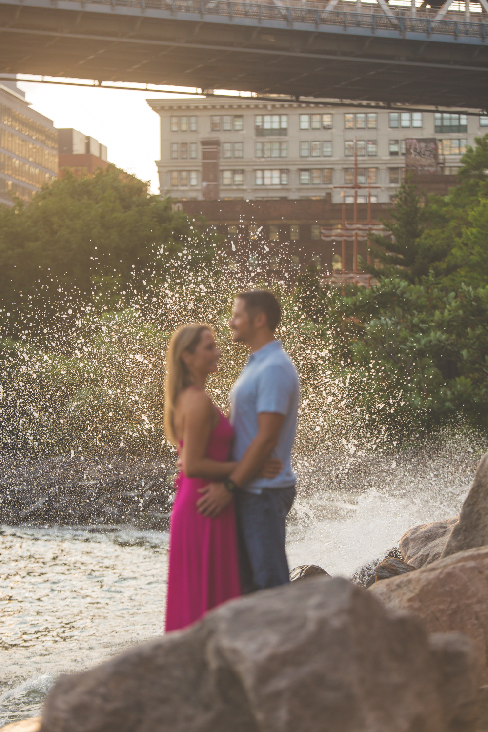 amazing-sunrise-engagement-photography-brooklyn-bridge-dumbo-24.jpg