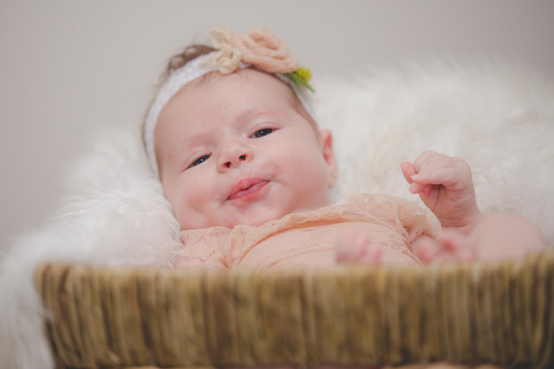 Brooklyn-newborn-family-photographer-outdoor-6.jpg
