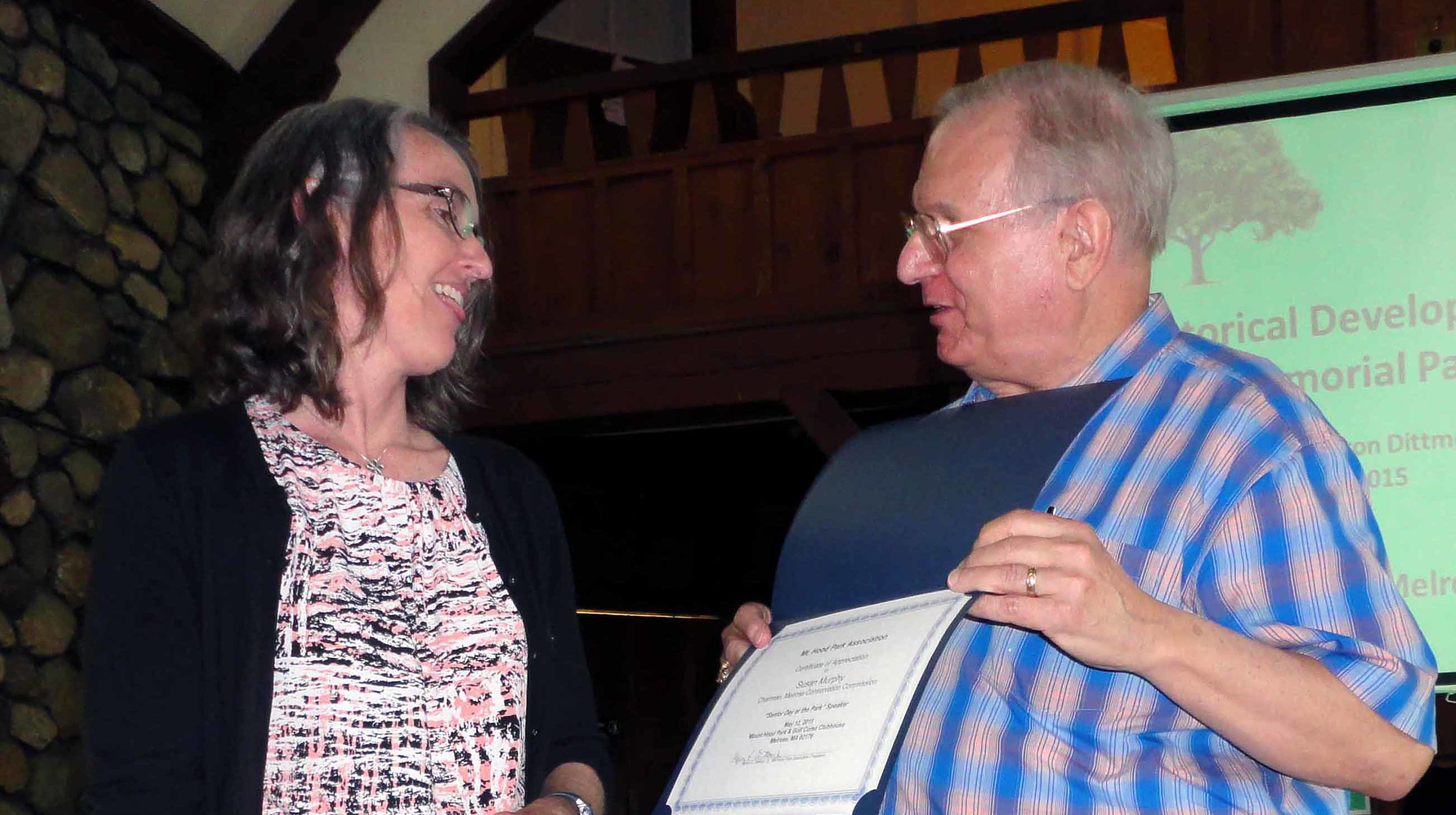 Association president, Myron Dittmer, presenting Susan Murphy with a Certificate of Appreciation.