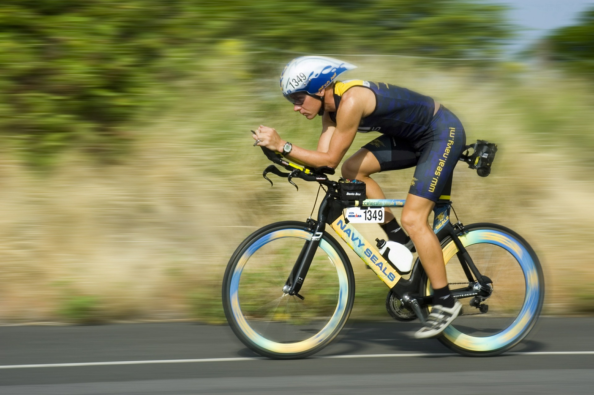 triathalon-cycling-racer-618750_1920.jpg