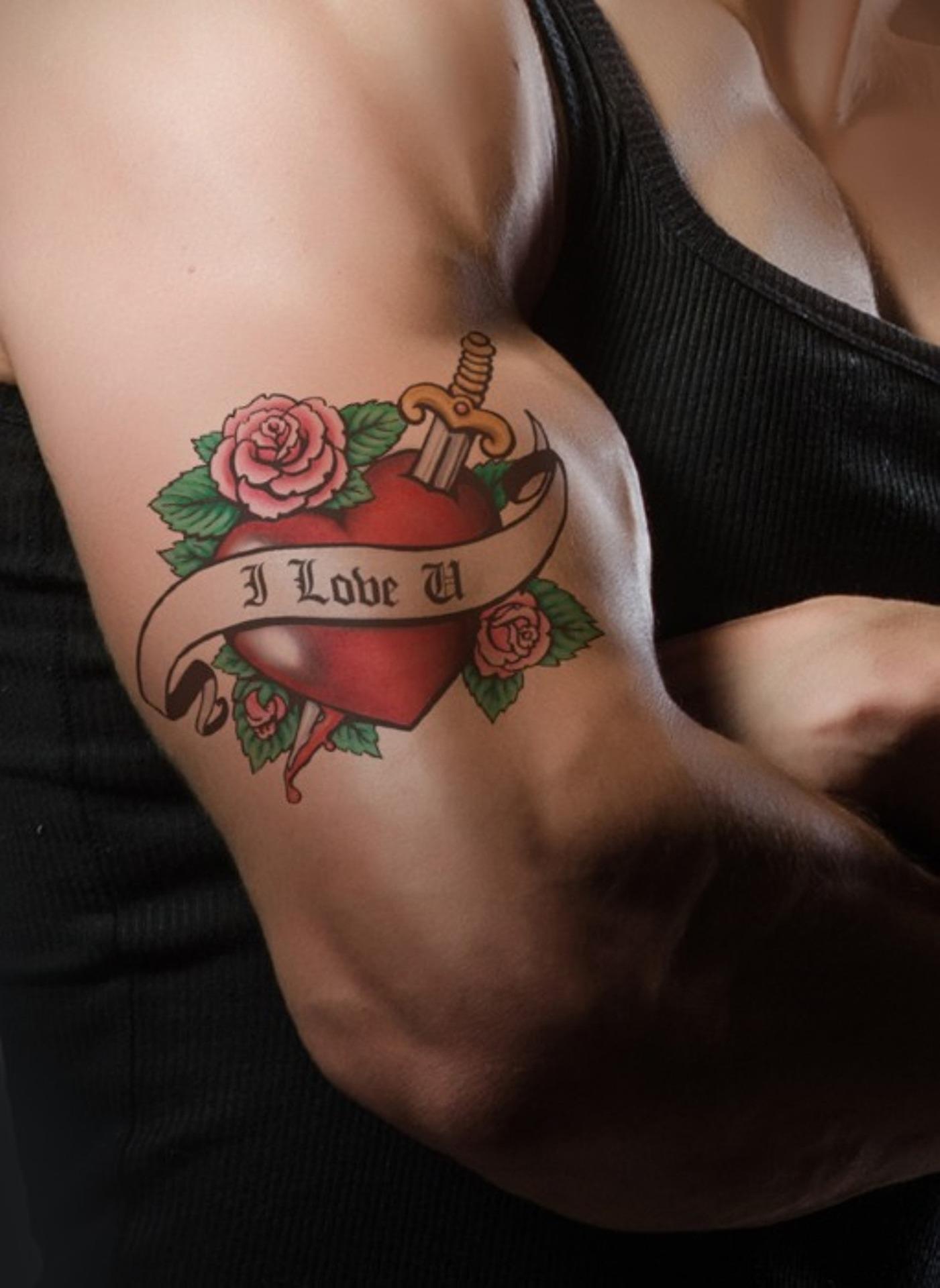 tattoo-702133_1920.jpg