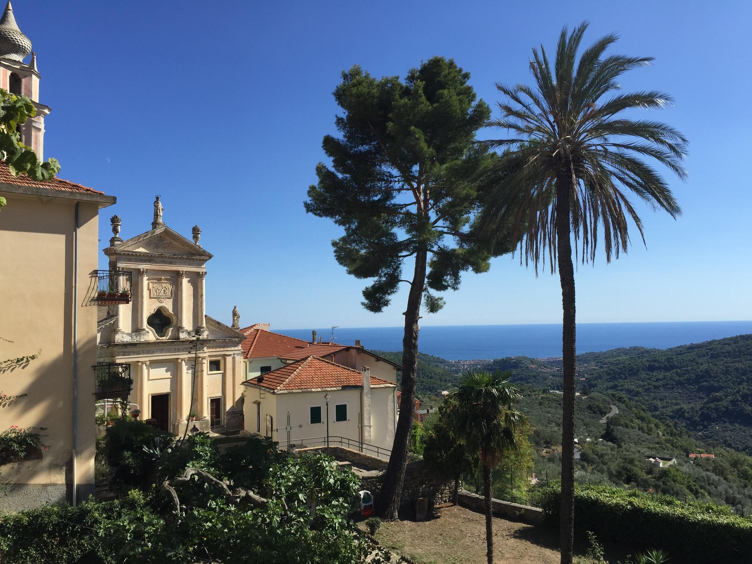 Utsikt fra Villa Faraldi, ned mot rivieraen.