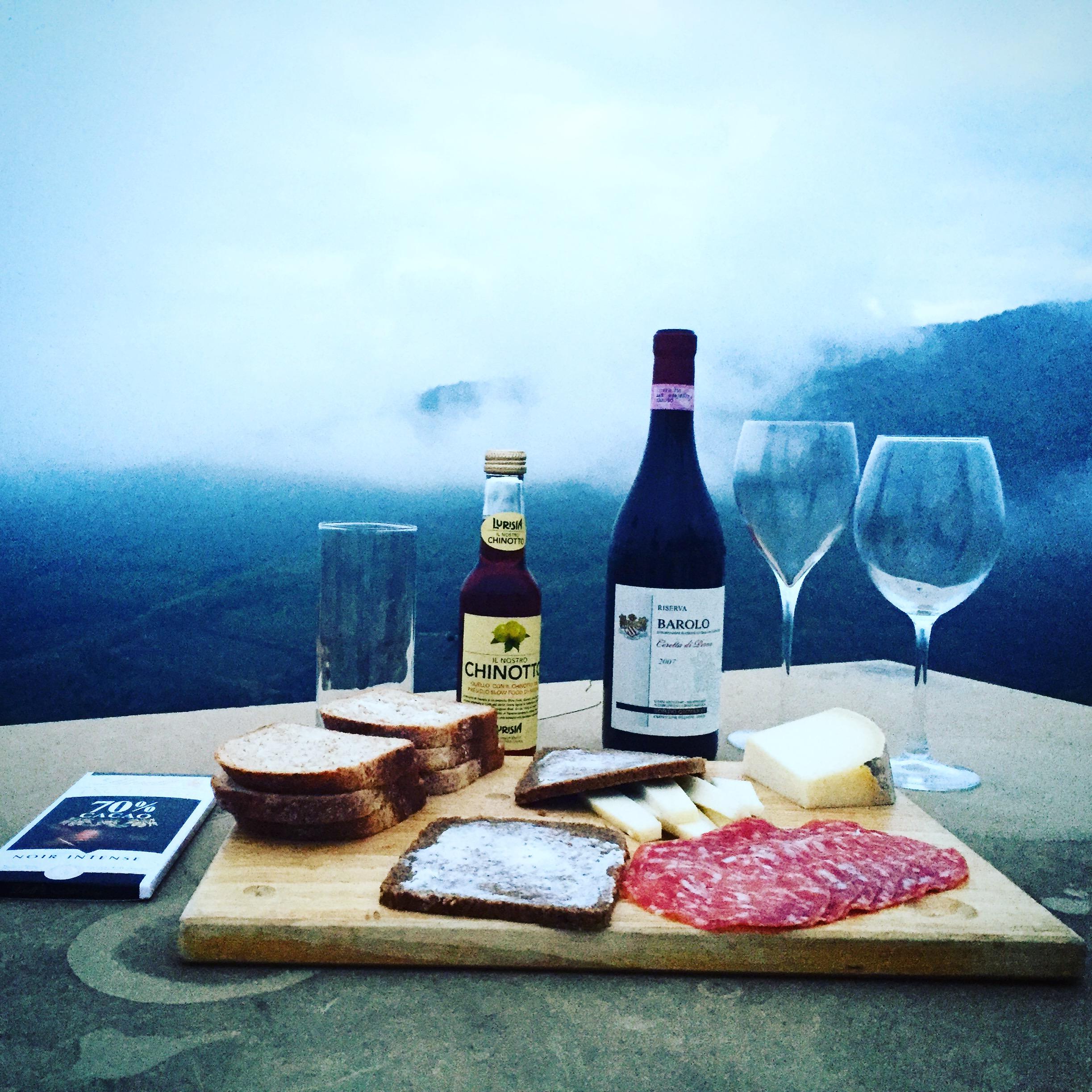 Salami og vin.JPG
