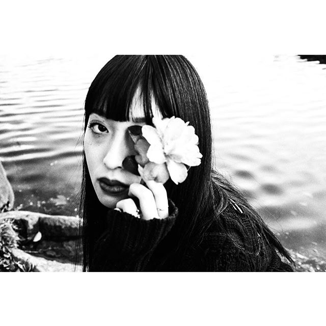 #portrait Erika @barkinstyleinc  #blackandwhitephoto #filmphotography  #tokyo #japan #tokyophotographer  #filmphotography #blackandwhitefilm #mono #monochrome  #minolta #rokkor #fujifilm #trix400  #filmgrain  #filmportrait  #grainisgood
