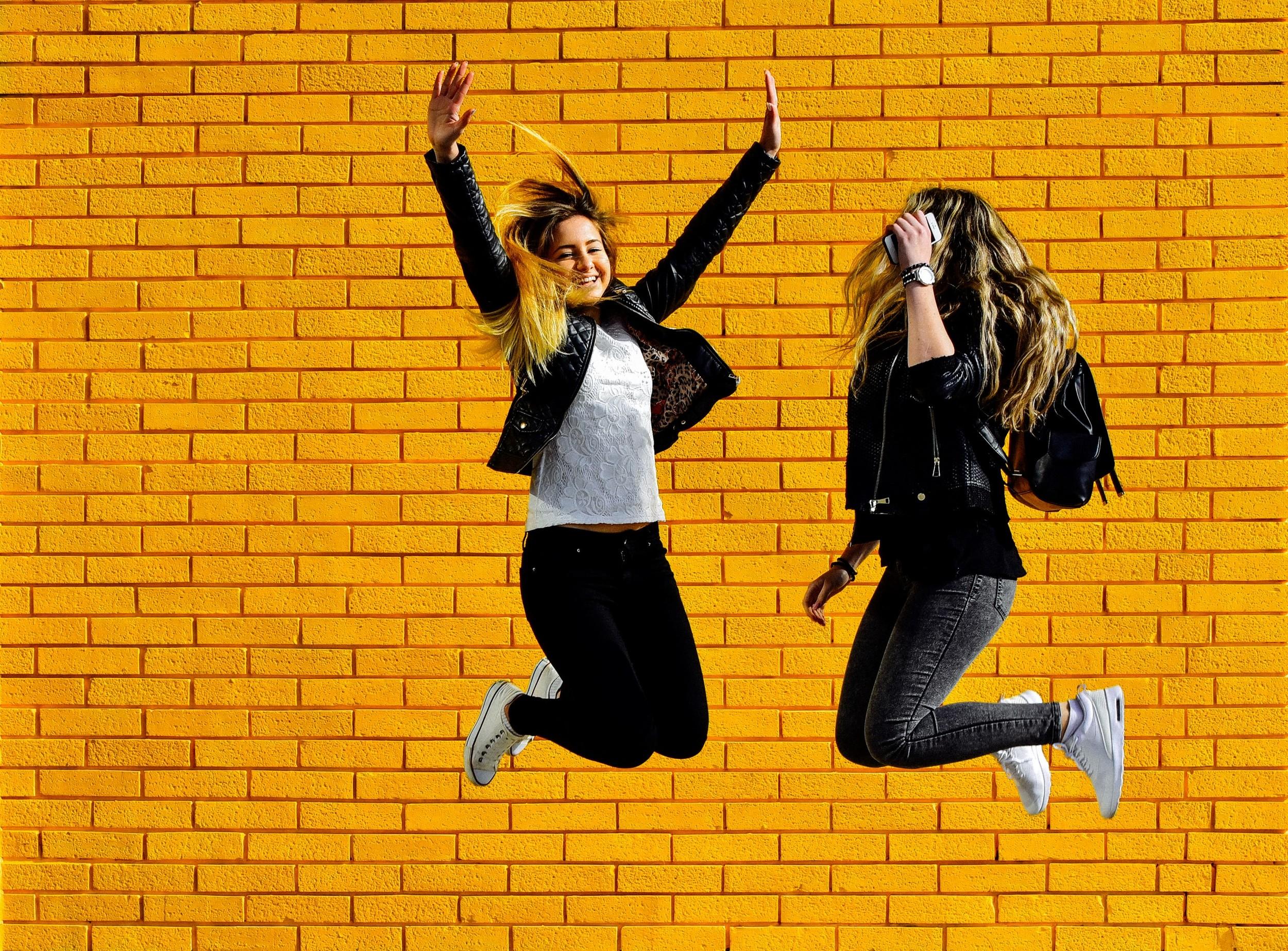 yellow girls-7 (Custom).jpg