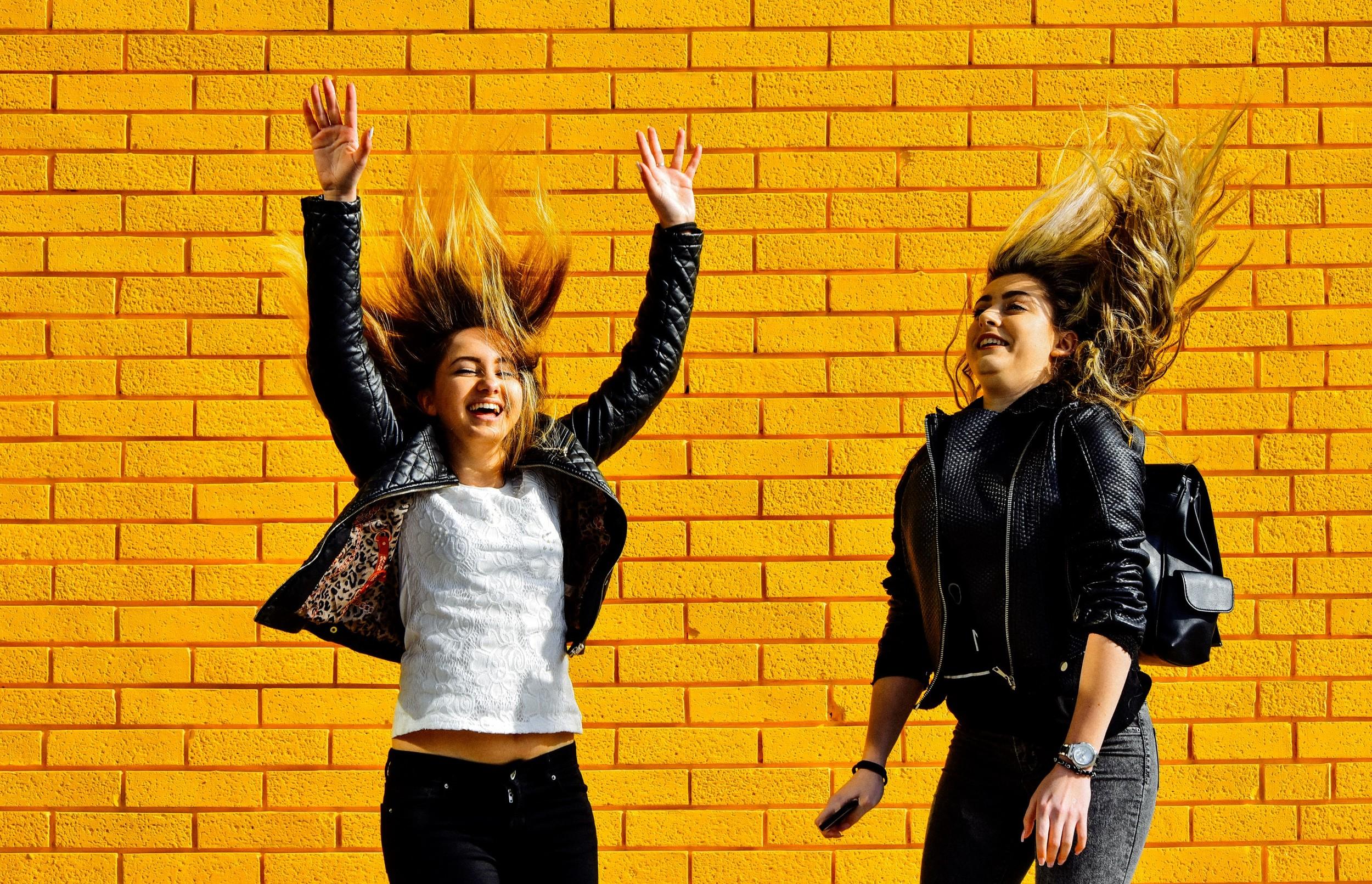 yellow girls-9 (Custom).jpg