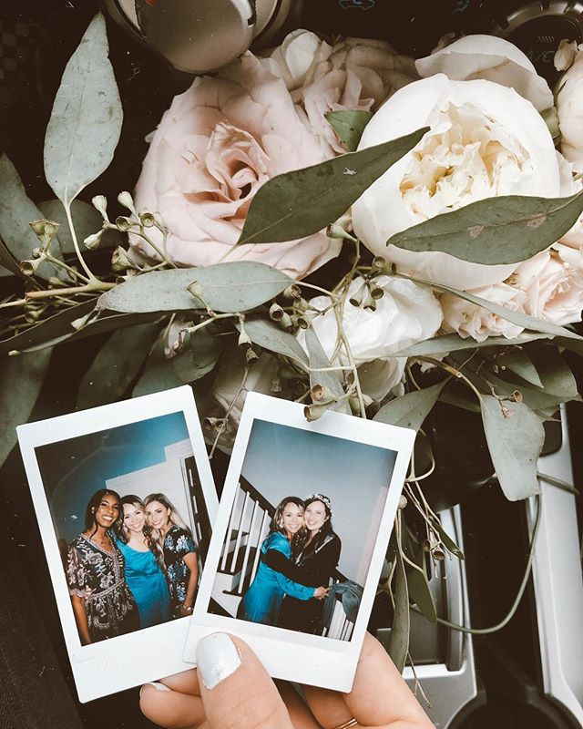 Well y'all... I caught the bouquet last night 💐😂 in my new Anne of Green Gables dress 👗and then took cute Polaroids with my sweet beautiful friends 🥰. ⠀  I'm so grateful to have friends who believe the Word of God is true & have a wedding that is centered around Christ alone. I love you Mikayla & Nathaniel!!!!! ⠀ #weddingseason #bouquet #friends #thehalls #nashville