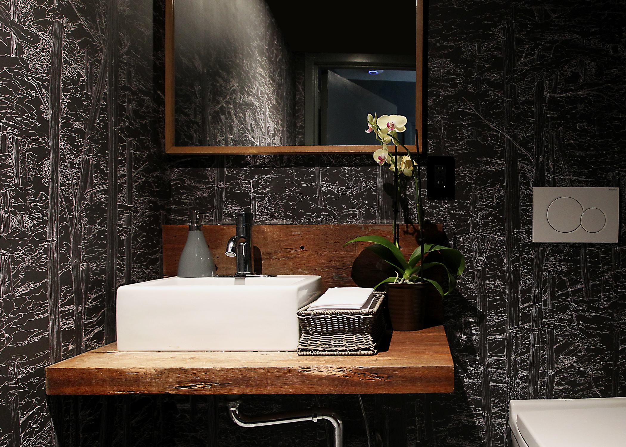 The bathrooms, refreshed with a new, unique, custom-designed wall paper to all walls and ceilings, create an ablutions experience unlike any other in NYC.