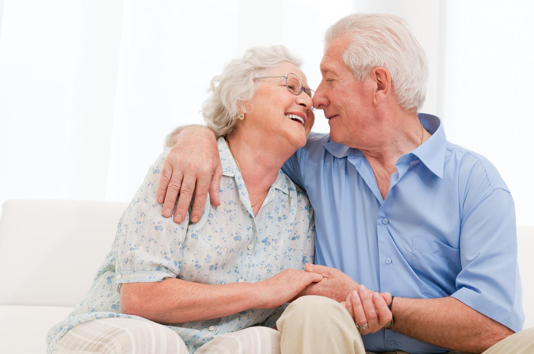 photodune-7164198-loving-senior-couple-m.jpg