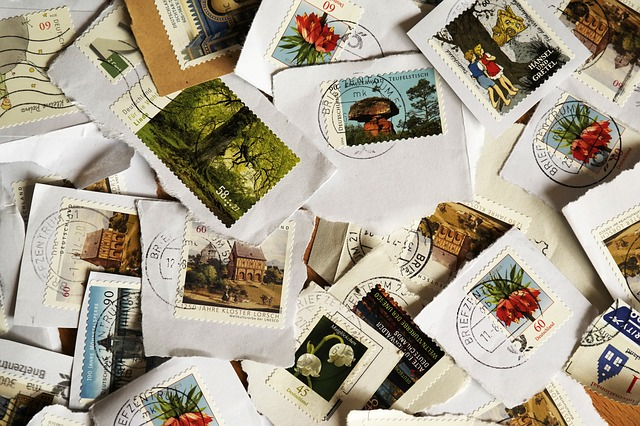 postage-stamps-484991_640.jpg