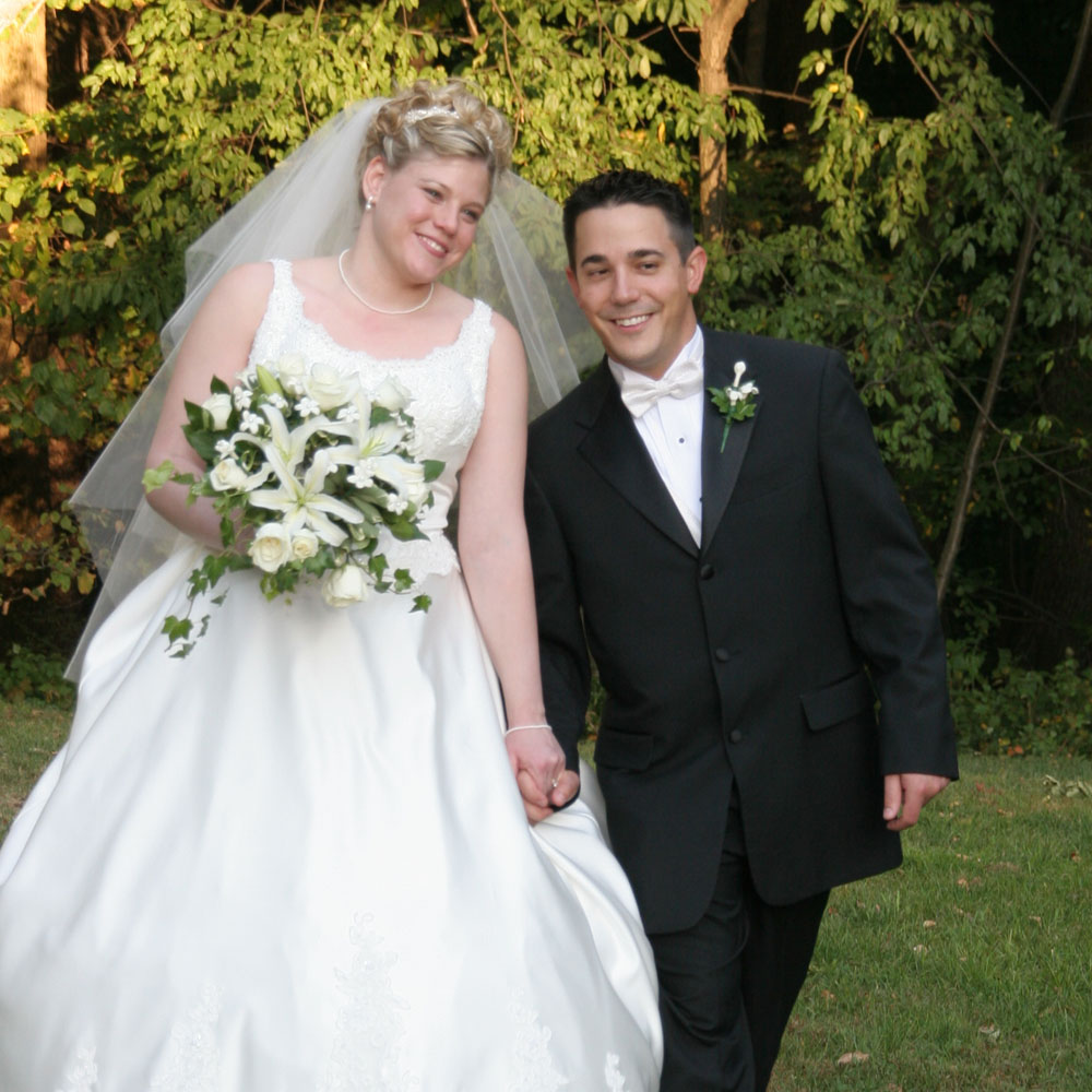 2005-10-01 Janelle & Jason Scmovoski.jpg