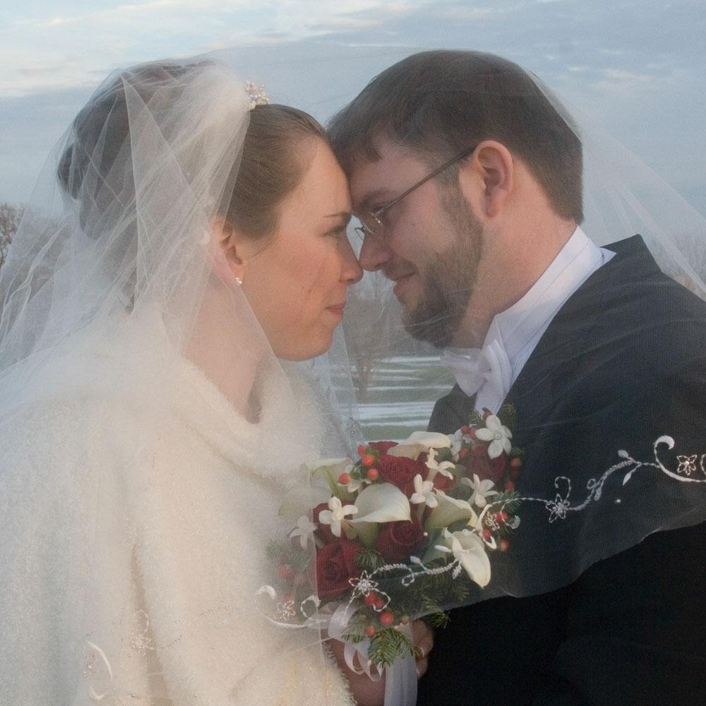 2005-12-17 Sarah & James Barnes.jpg