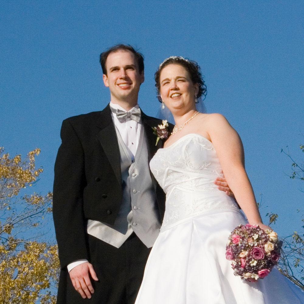 2006-10-21 Jodi & Nick Linger.jpg