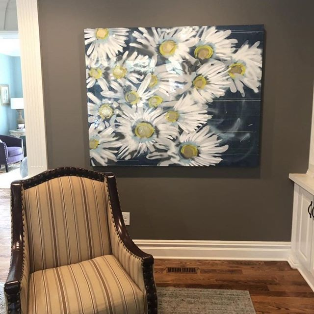 Seeing my flowers bring joy in beautiful space makes my heart smile #art #painting #popart #love #homedecor #interiordesign #inspo #flowers #springthoughts #spring #bloom #inbloom #daisy #sweet #white #gold #blue #megancoonellyart