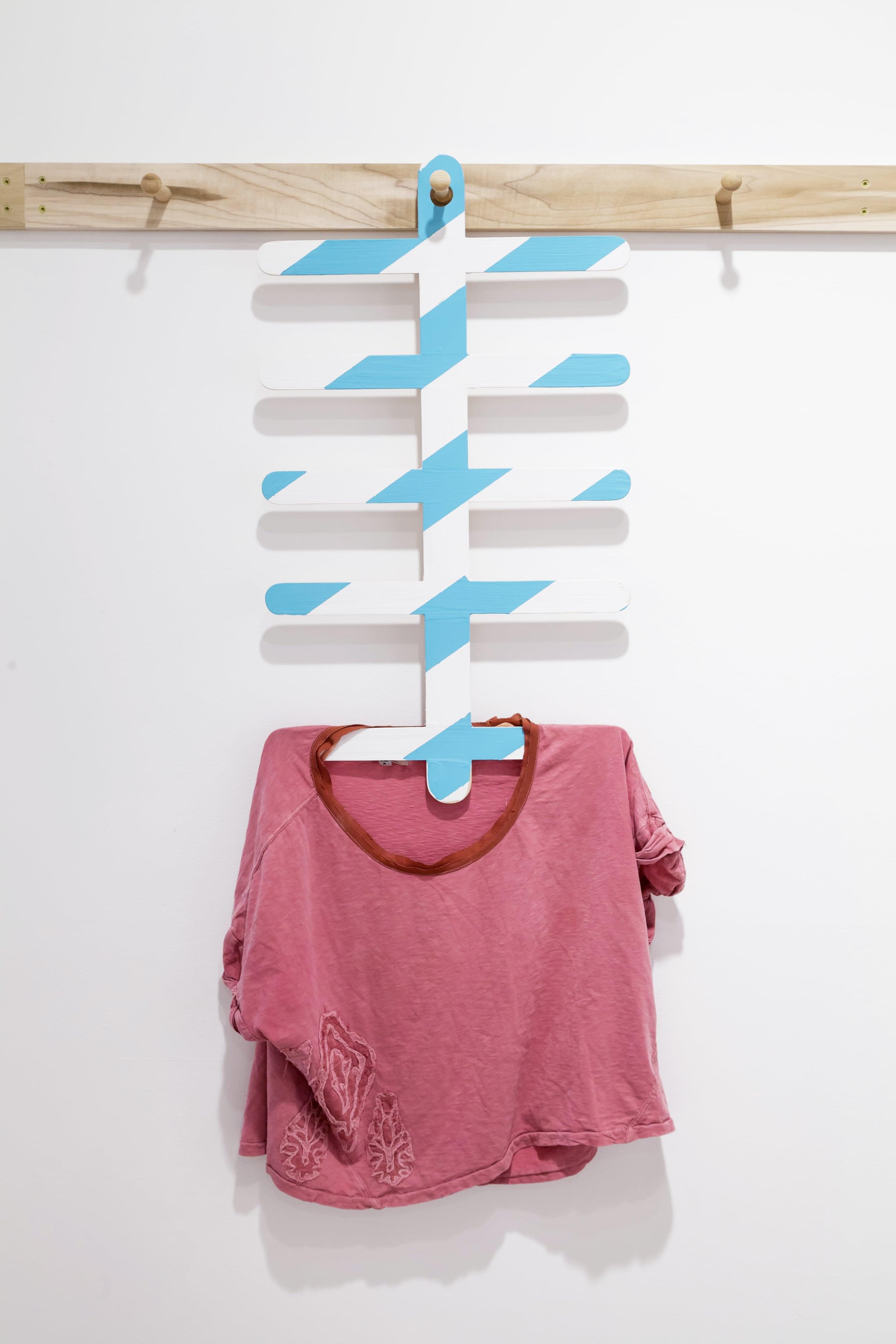 Eakin_Shaker Hanger.jpg