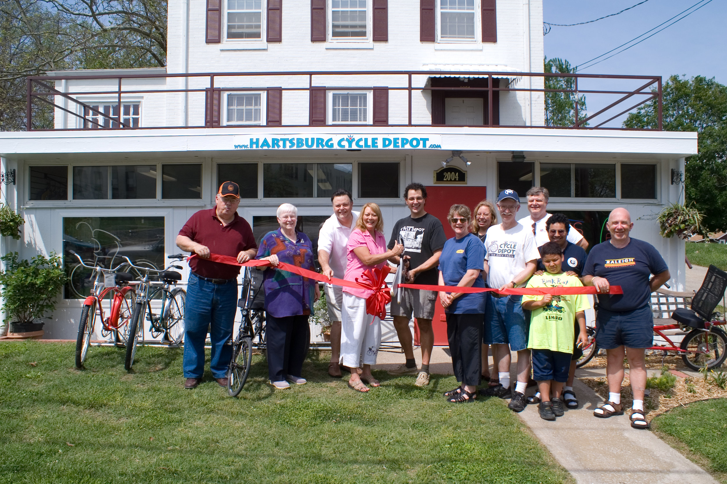 CD RibbonCutting-18.jpg