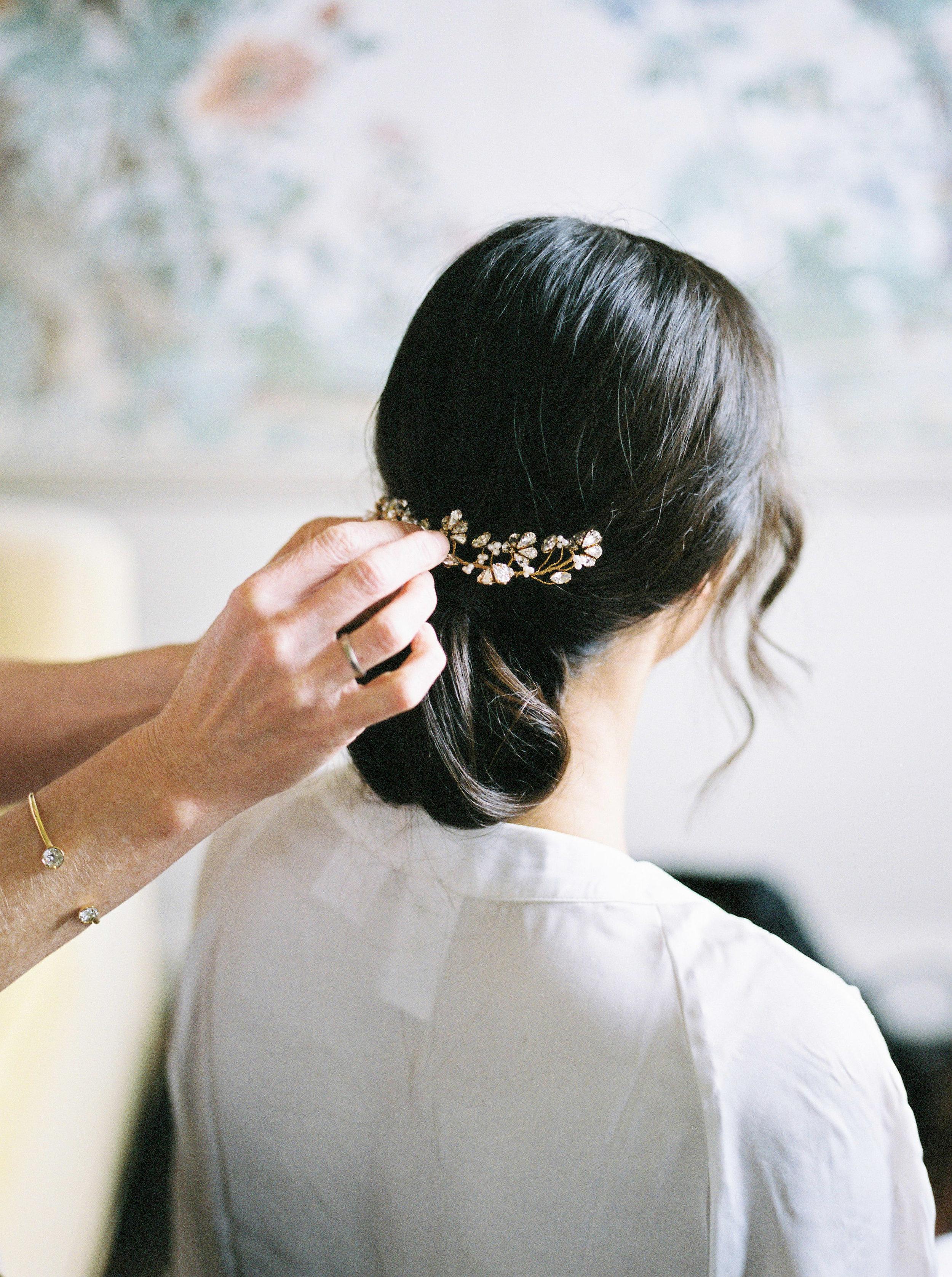 Real bride Sai in bespoke hair accessories and earrings (13).jpg
