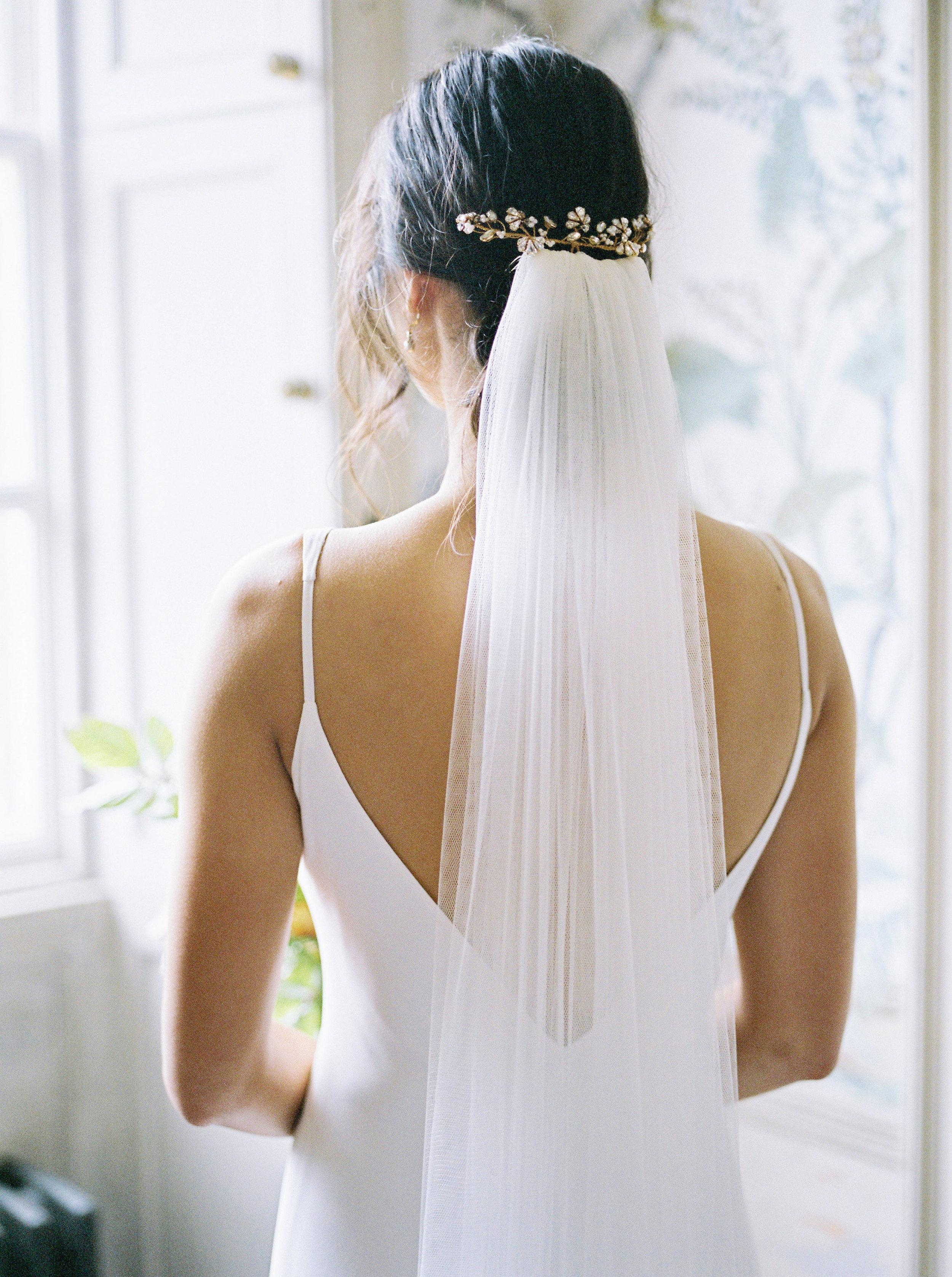 Real bride Sai in bespoke hair accessories and earrings (20).jpg