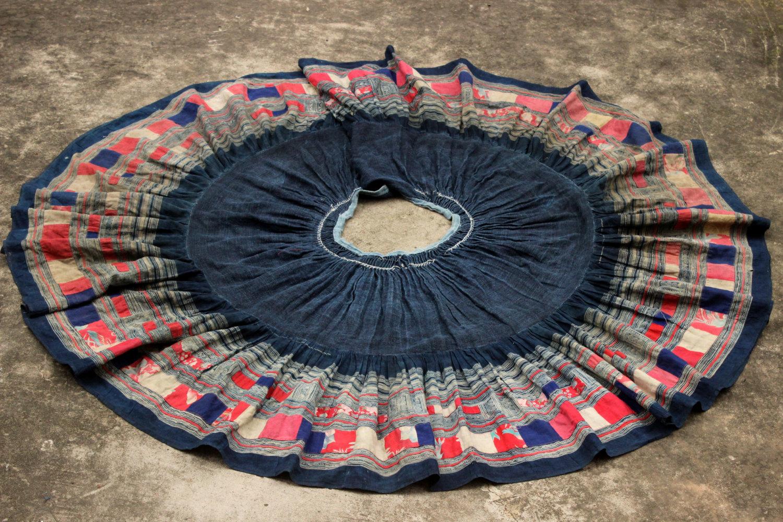 hmong skirt.jpg