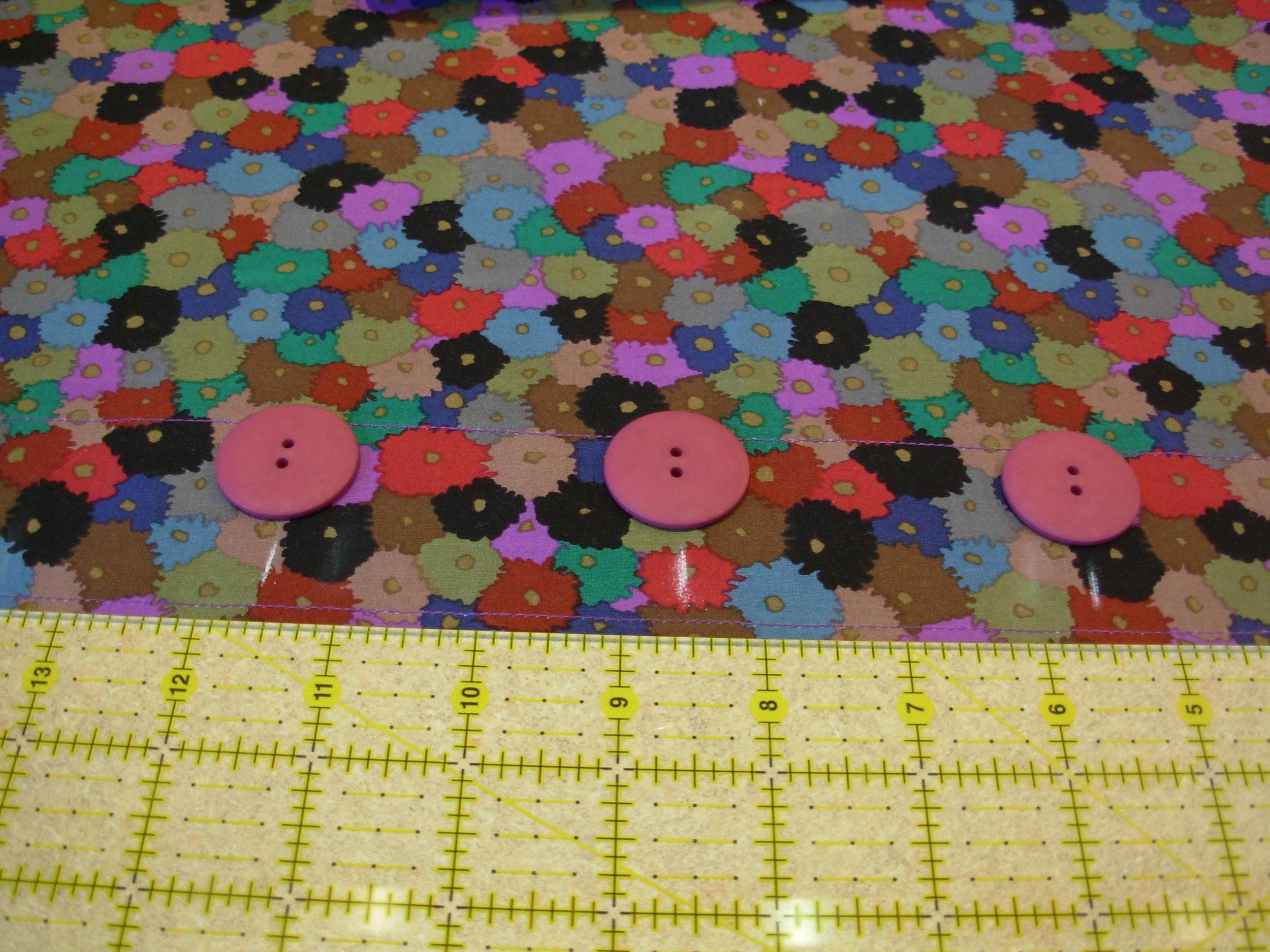 Button Back Pillow Tutorial (9)