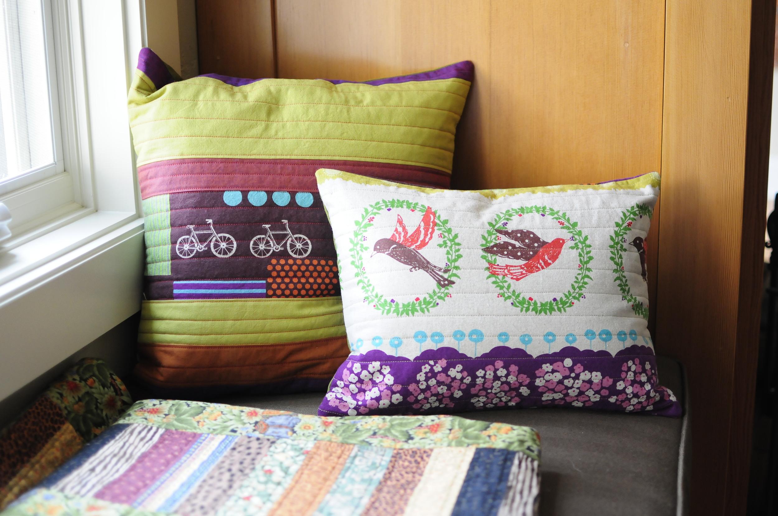 Modern Button Back Pillows (3)