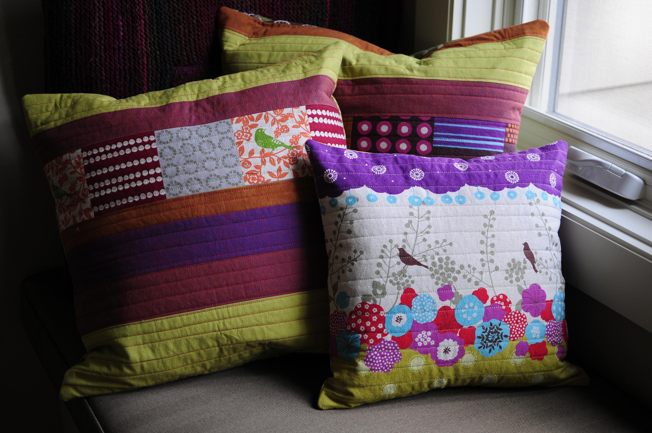 Modern Button Back Pillows (7)