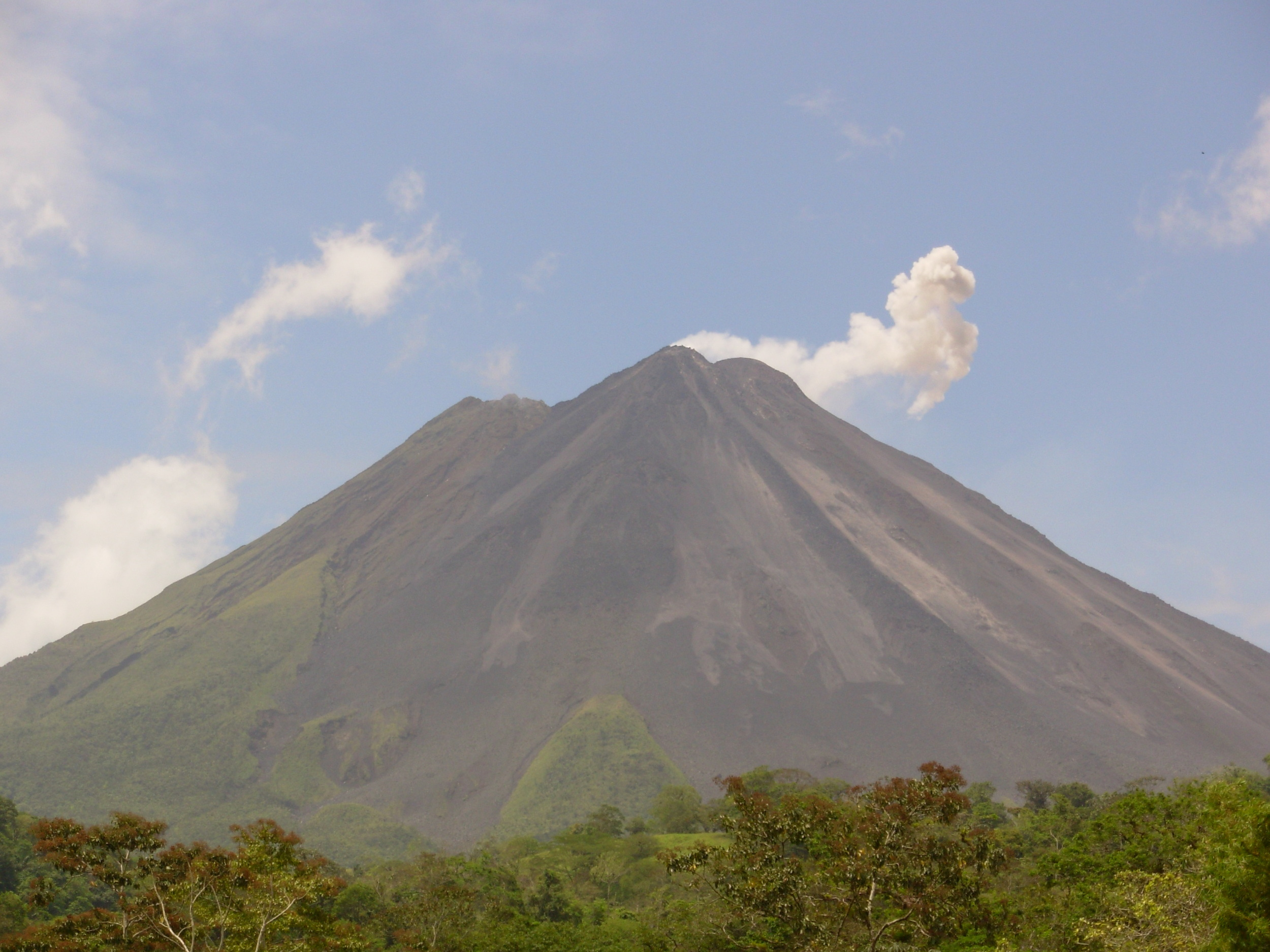 Volcano Arenal blowing off some steam.