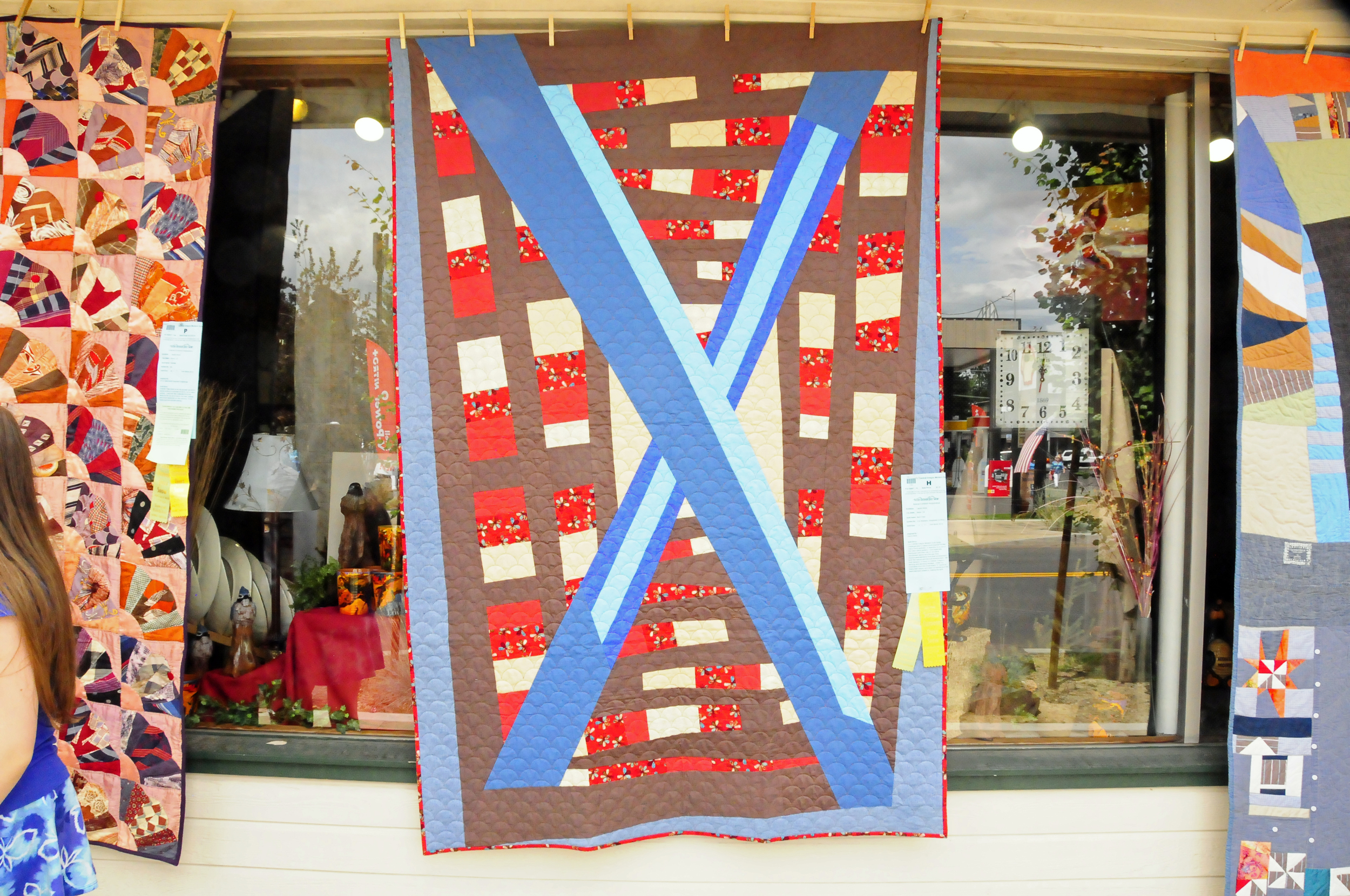 Barn Door by Laurie Hoyle, quilted by Don Masters of Singletree Quilting