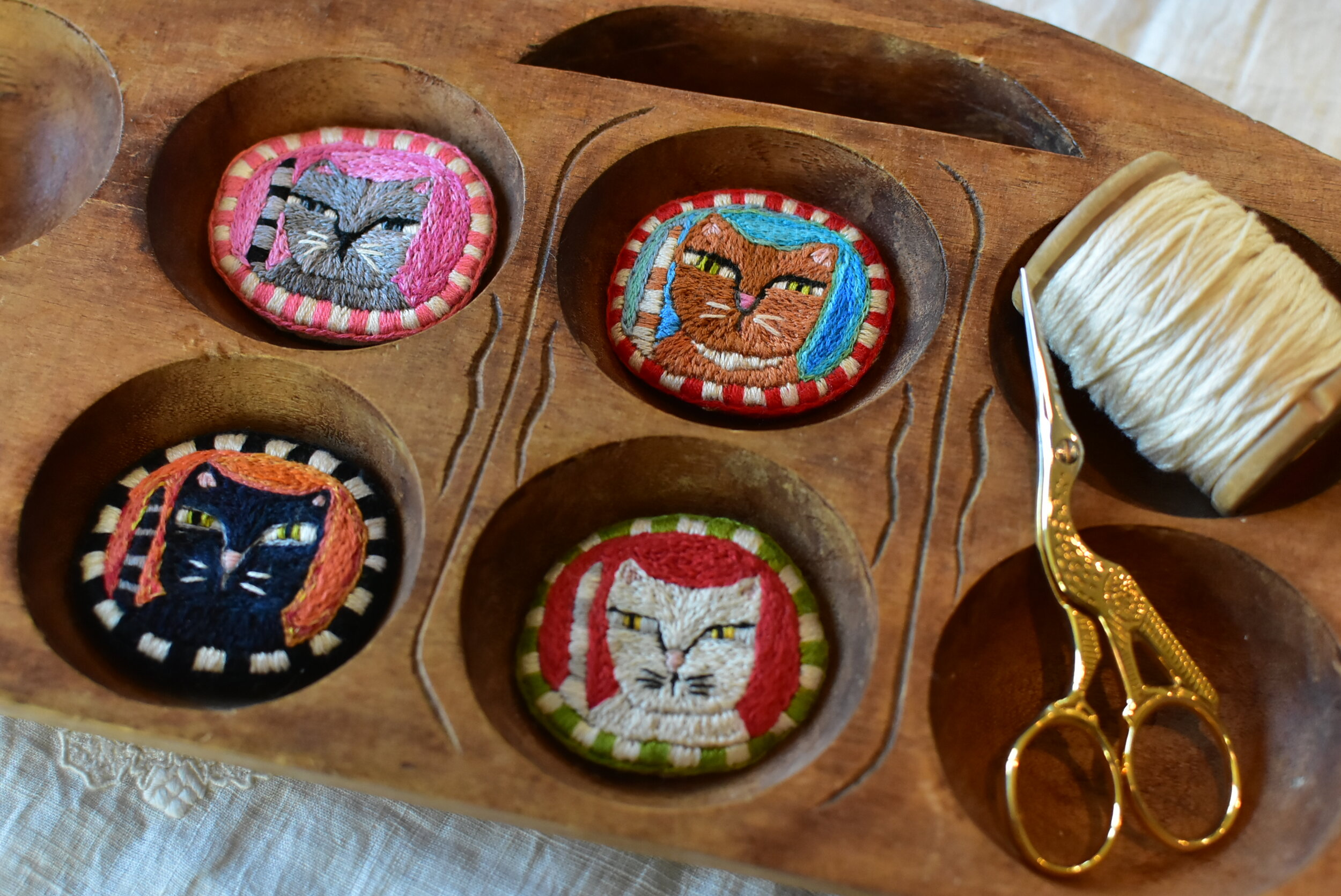 Embroidered Kitty Brooch Pattern