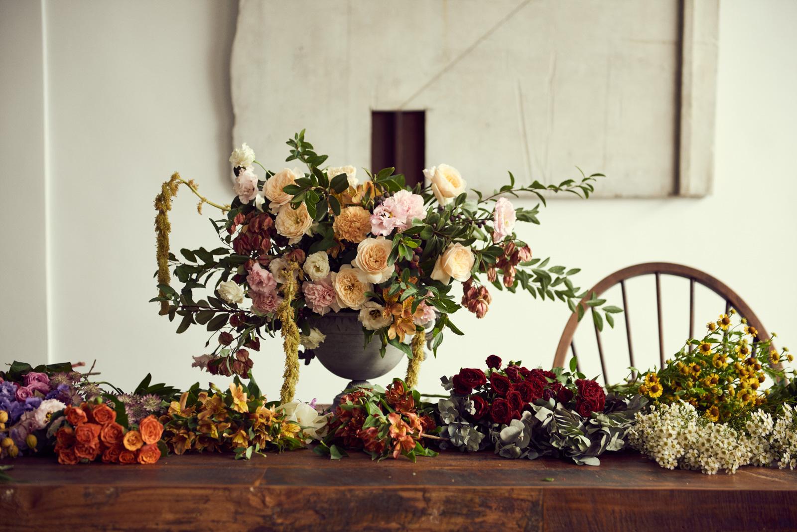 Order Your Flower 客製訂花 - 我們提供包月花束與客製化訂花服務。包月花束將提供您最當季的鮮花組合,客製化訂花服務則可依照您喜歡的顏色或風格為您訂製專屬花禮。