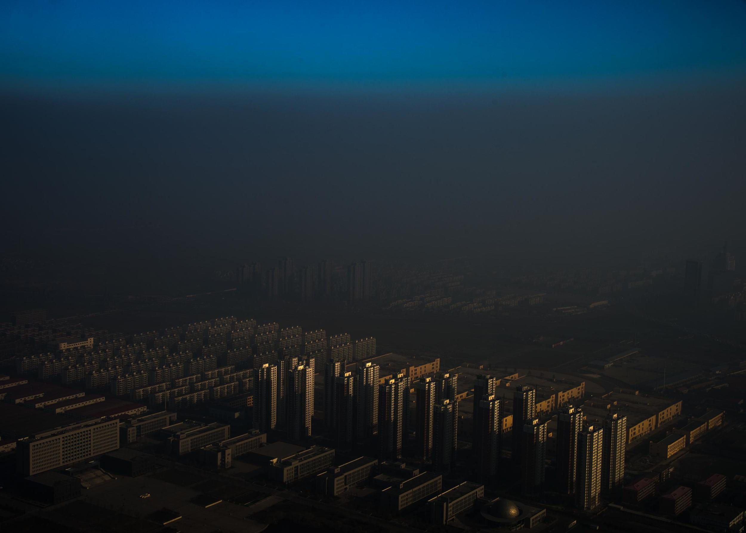 雾霾在中国张磊      2015/12/10      天津,中国      EXIF:      相机: Nikon D4       快门: 1/500s      光圈: f10      焦距: 44mm ISO: 100