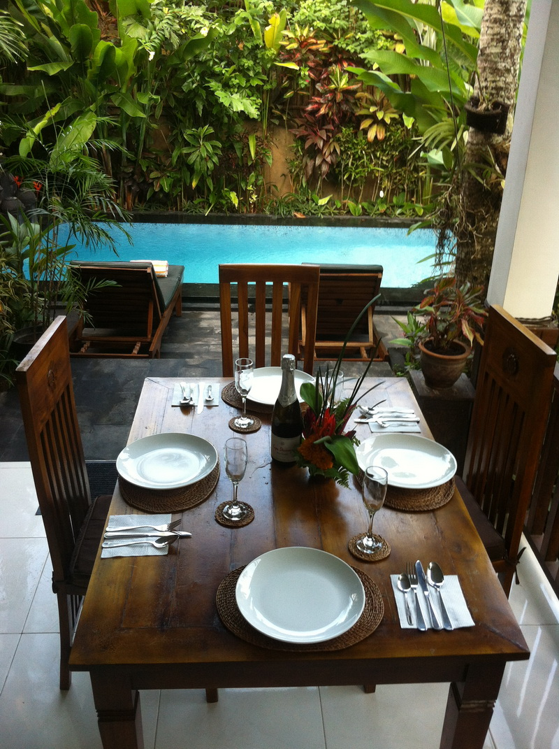 Dining space.JPG