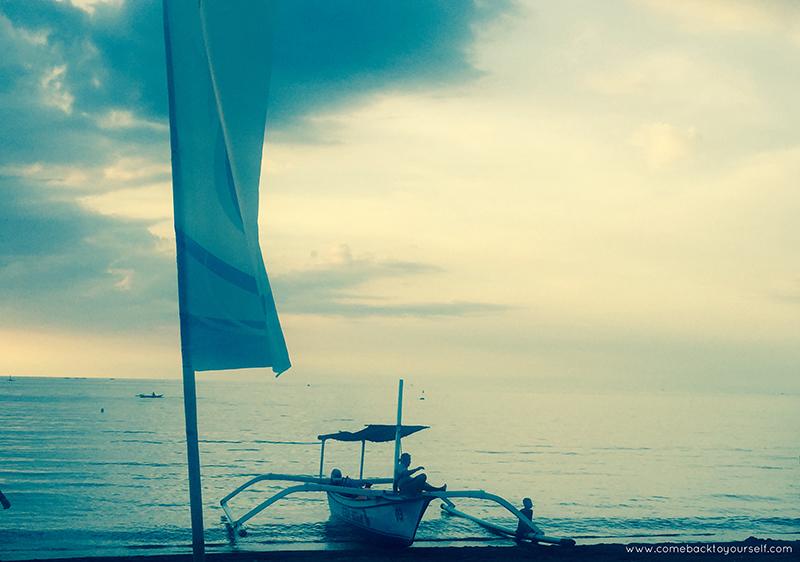 Lovina beach_small.jpg