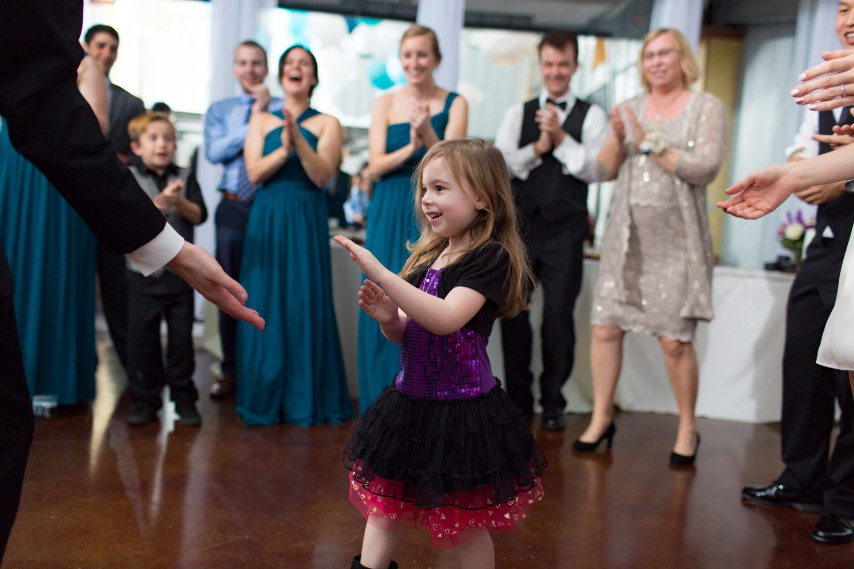 guests-dance-Winge-Josserand-654-031817.jpg