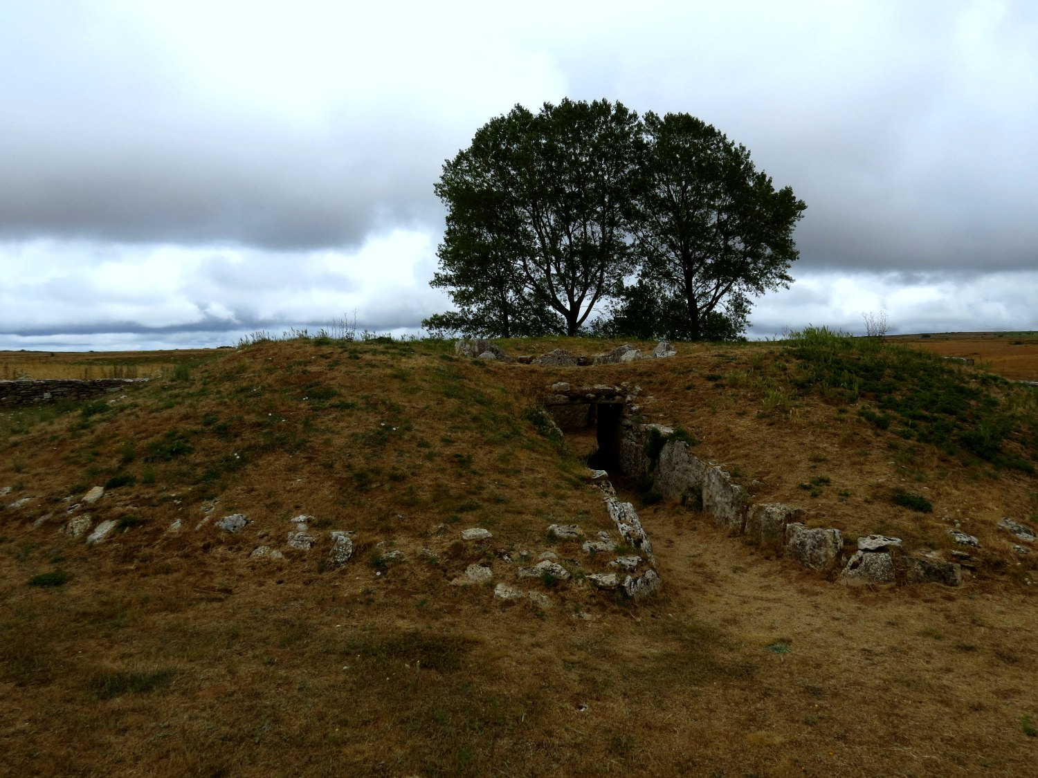 Neolithic burial sites
