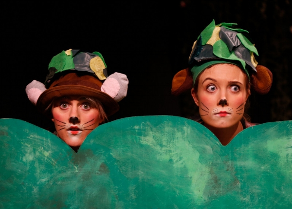 From the play Dýrin í Hálsaskógi by Thorbjörn Egner performed at Bifröst