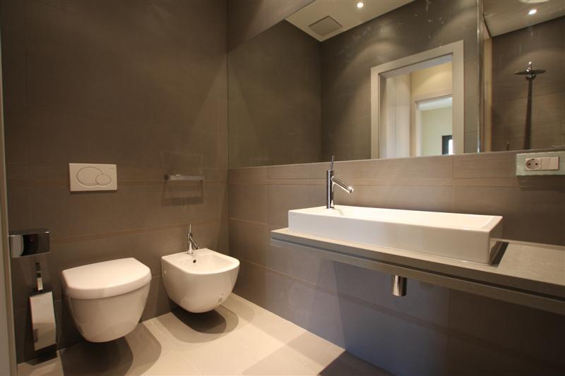 Image2_Bathroom.jpg