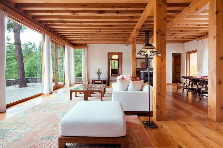 COMO-Villa-Living-Room-with-view.jpg