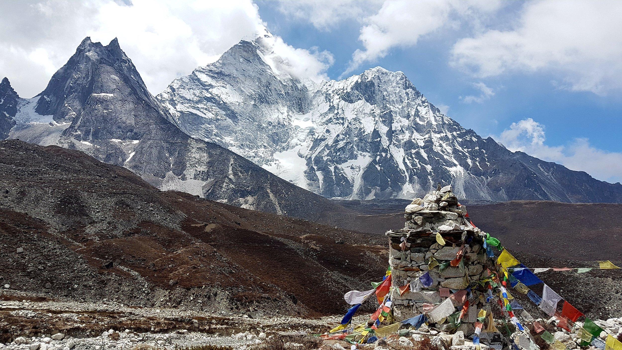 Everest-basecamp.jpg