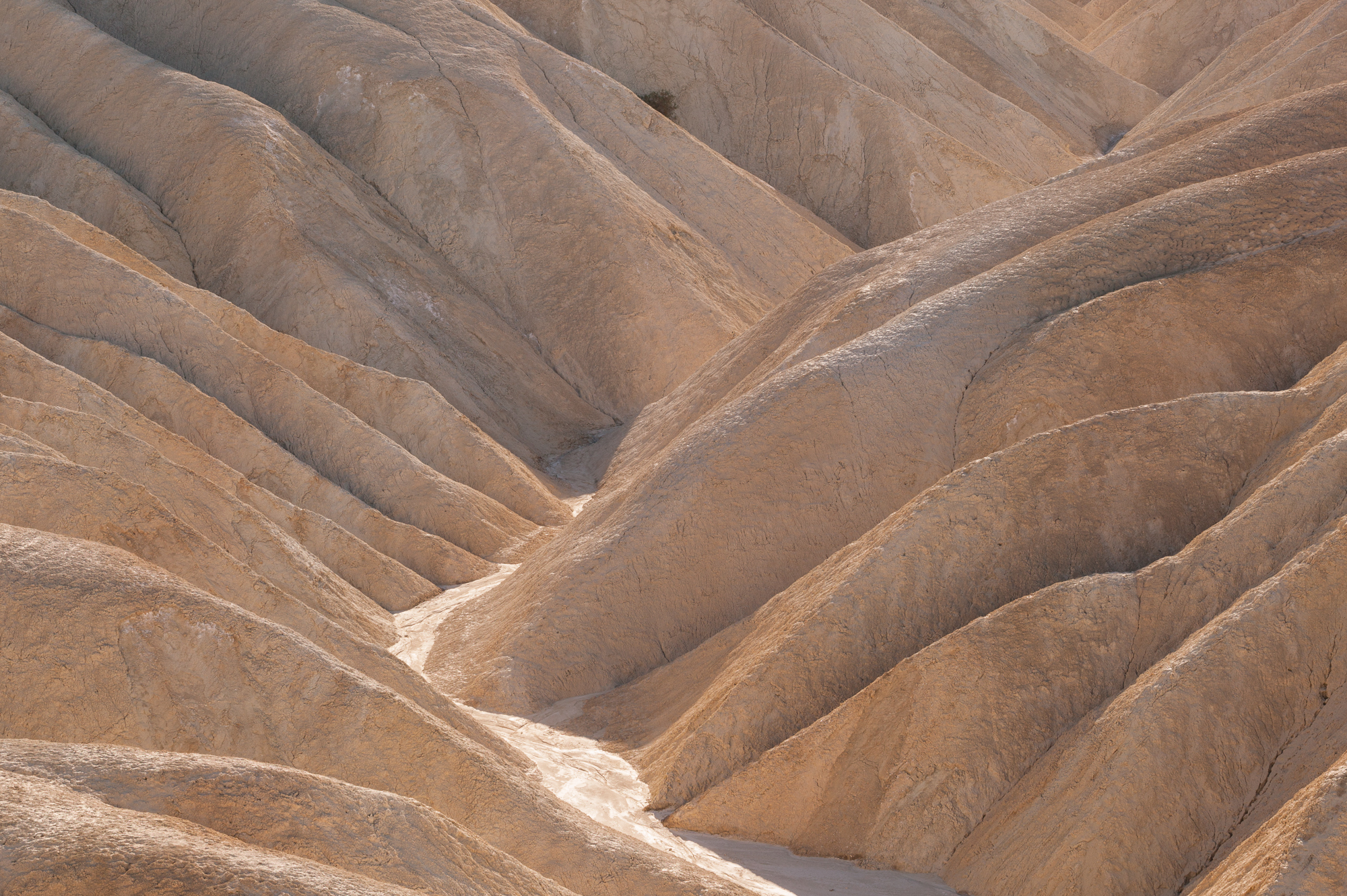 Example of a low dynamic range photo, from Death Valley National Park.