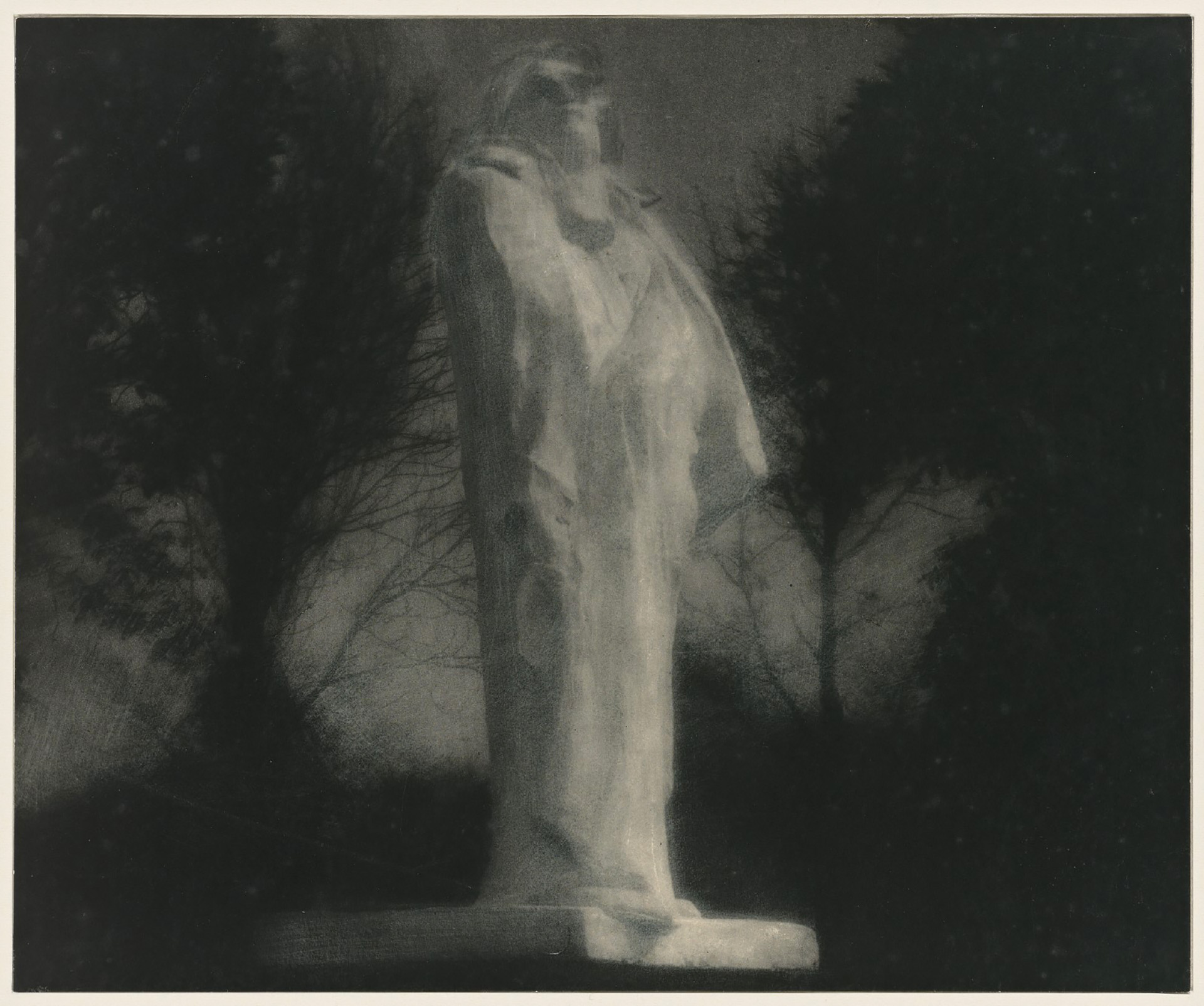 Edward Steichen, Rodin's plaster cast of his Balzac Sculpture, photographed by moonlight in 1908. Some of the earliest extant photographs made by moonlight are Steichen's series of Rodin's sculpture made in France in 1908 over a period of three nights. Steichen experimented with a range of exposures and lighting, resulting in a series of images that are now considered among his most important works.