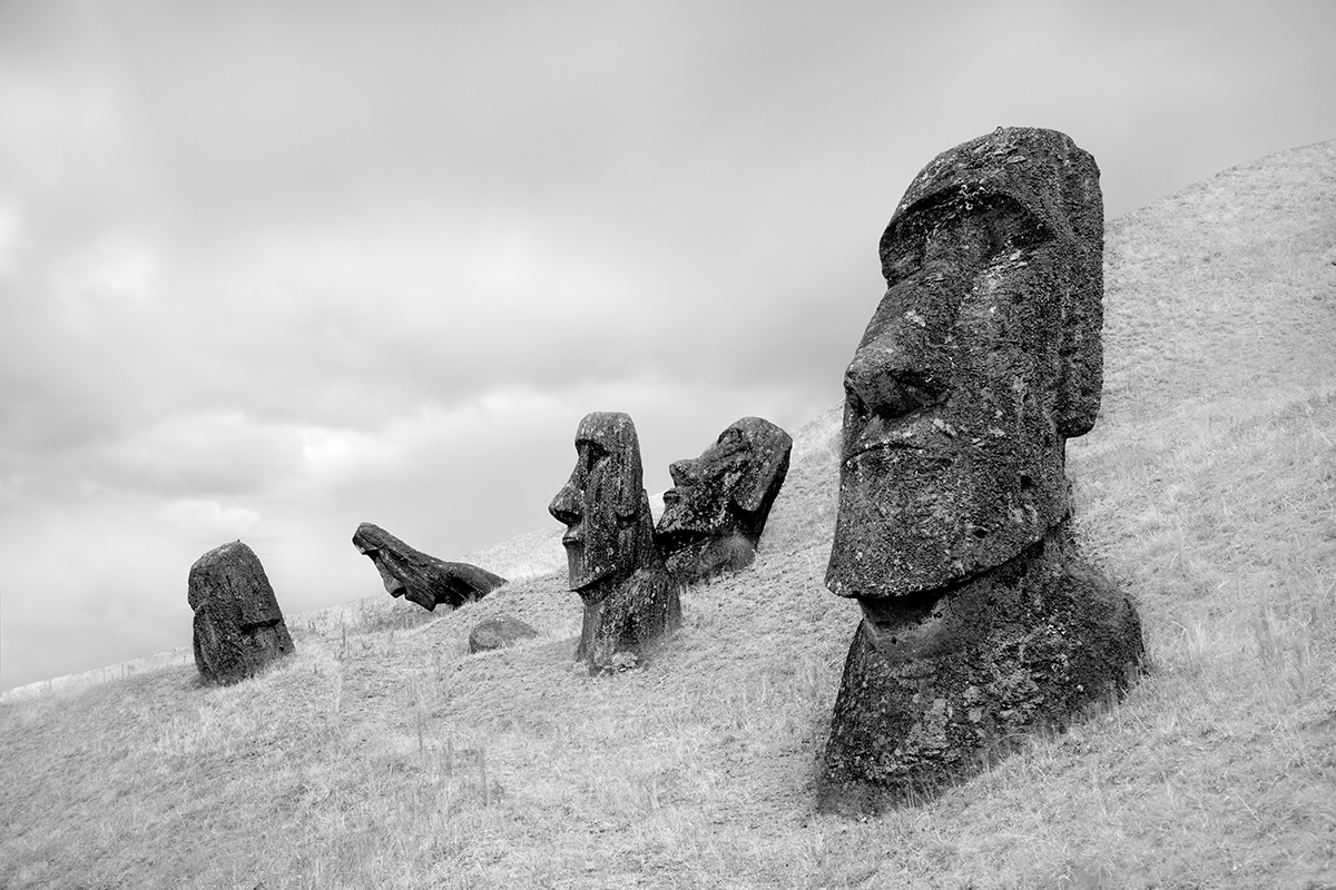 2015-1-1 Moai at Rano Raraku No 3 - Final 2-20-2015.jpg